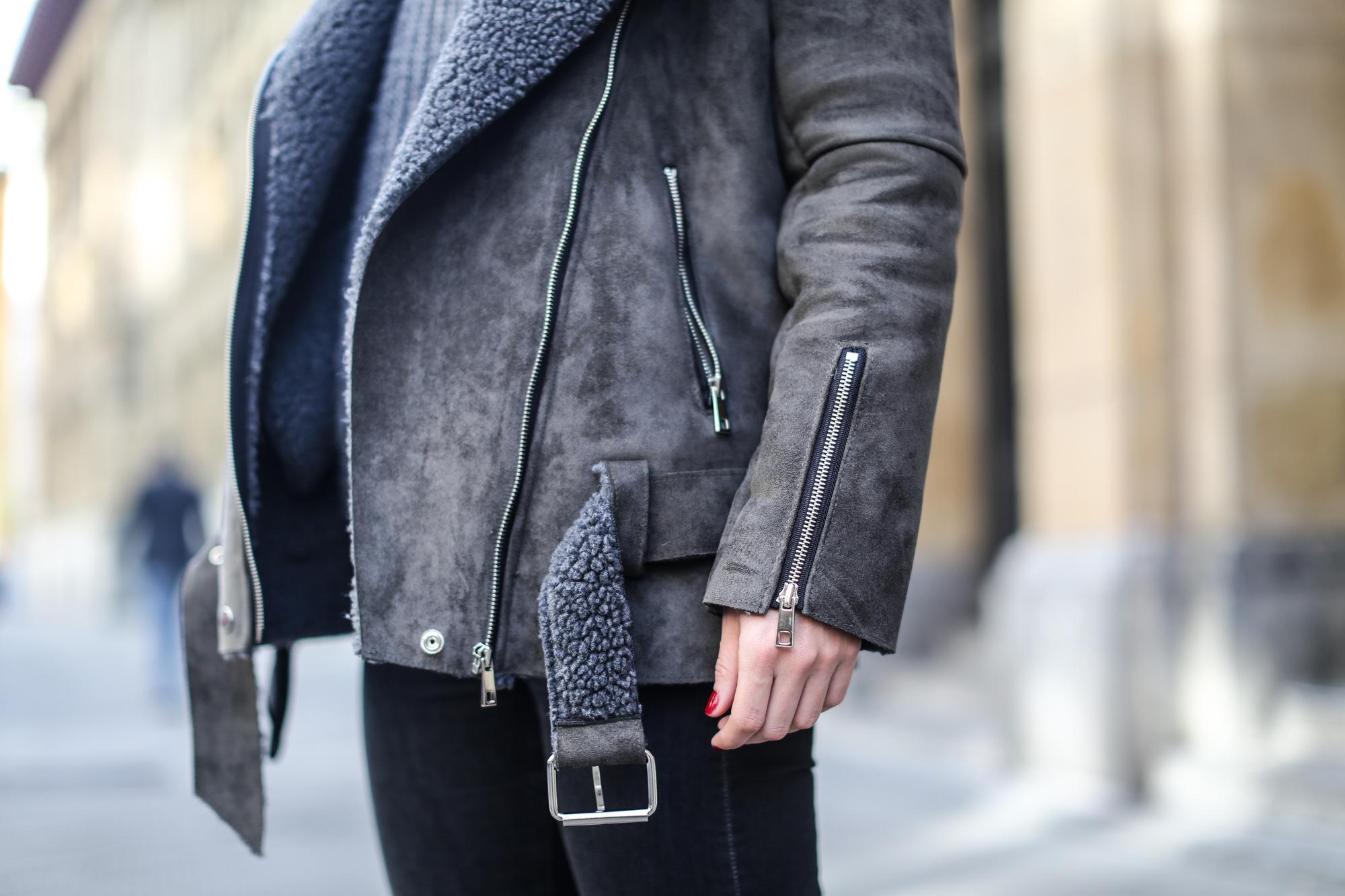 Clochet_streetstyle_olive_clothing_oversize_rider_kakhi_jacket-8