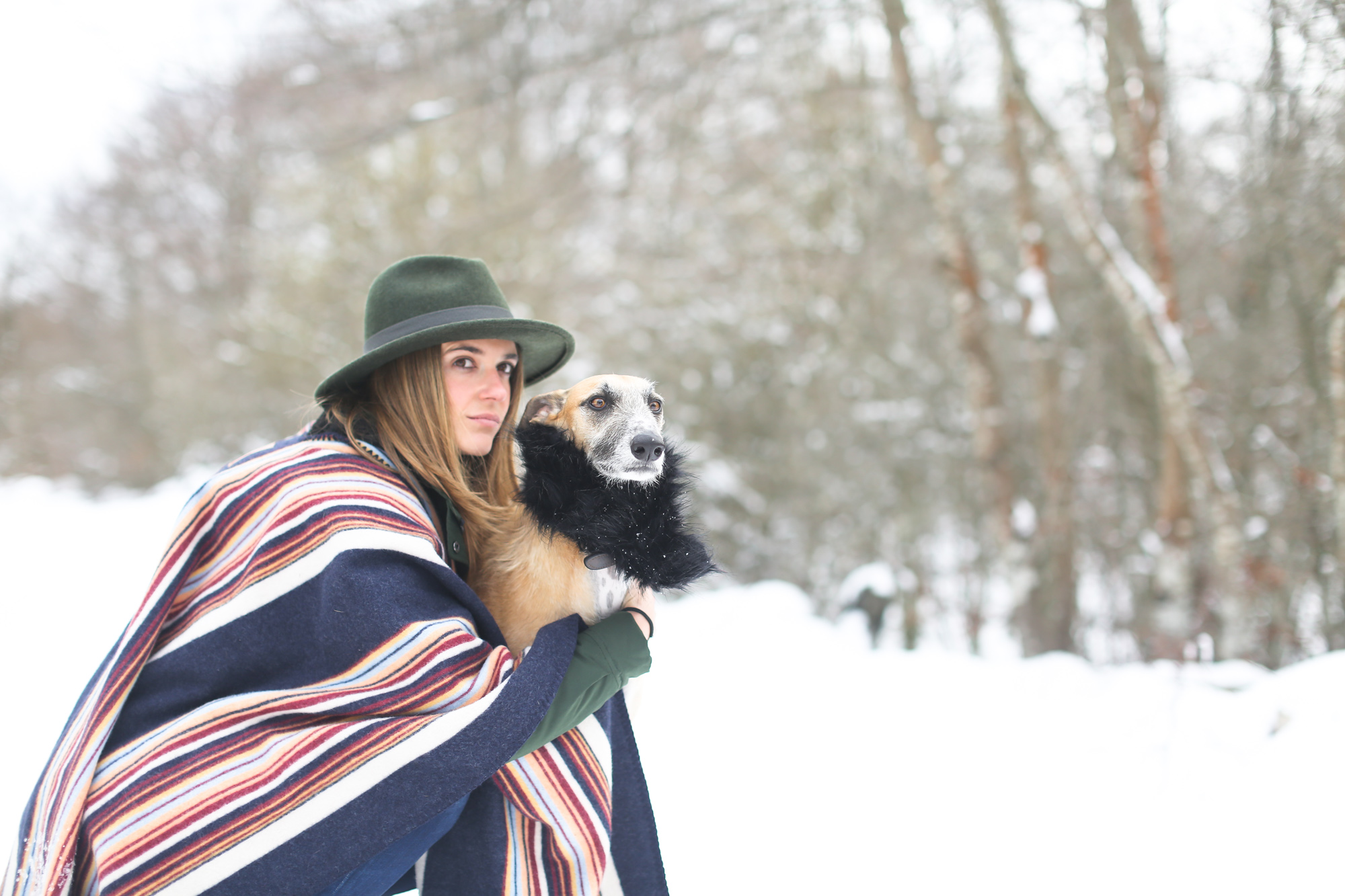 clochet_streetstyle_l'americaine_Andco_wool_poncho_panamajack_boots_snow-10