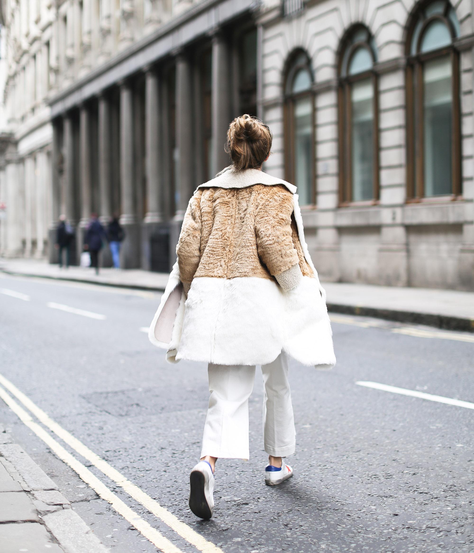 Clochet_streetstyle_asos_patchwork_faux_fur_coat_goldengoose_superstar_sneakers_topshopunique_show-16