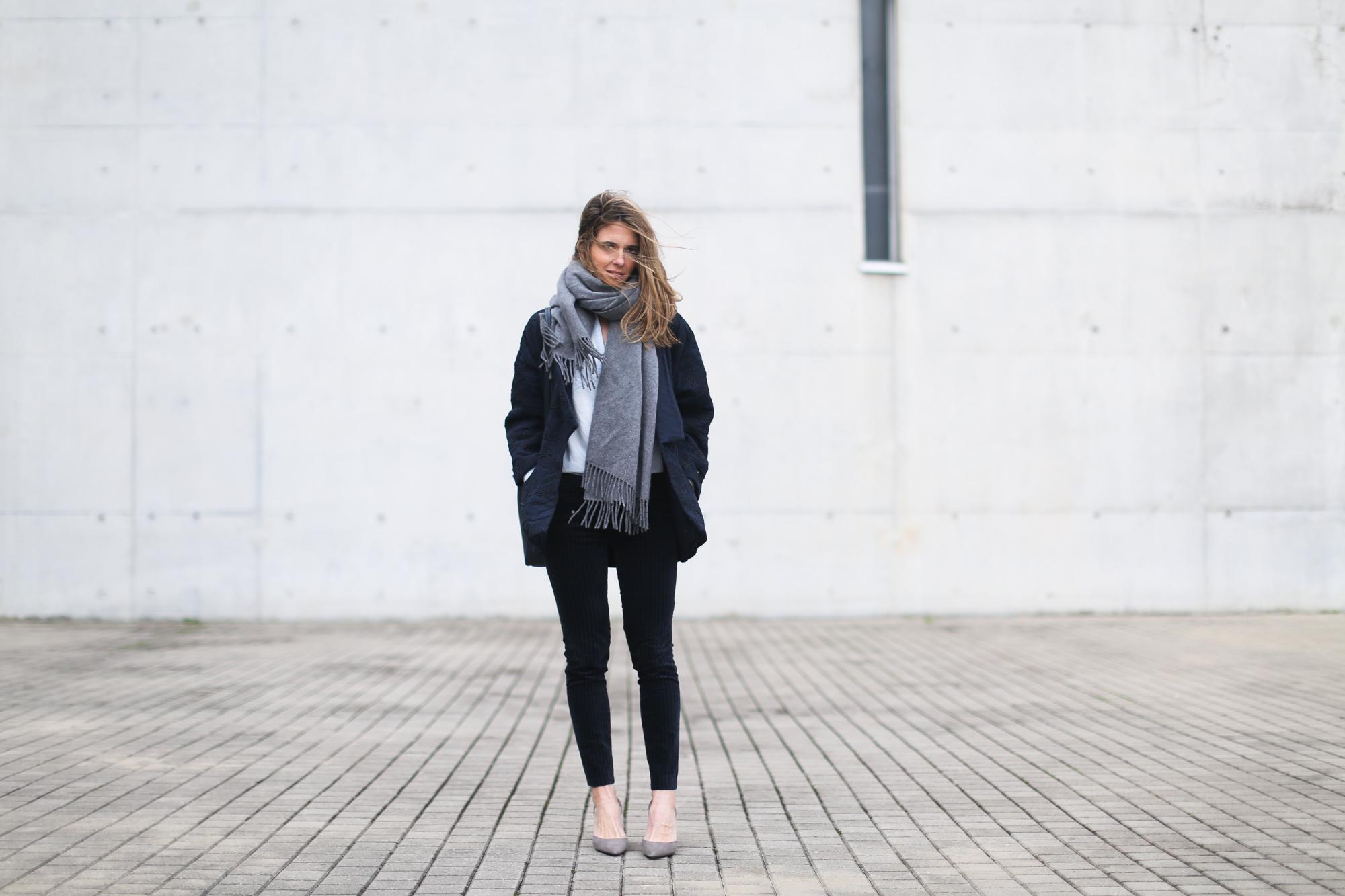 clochet_streetstyle_embroided_kimono_jacket_purificacion_garcia_bucket_bag-3
