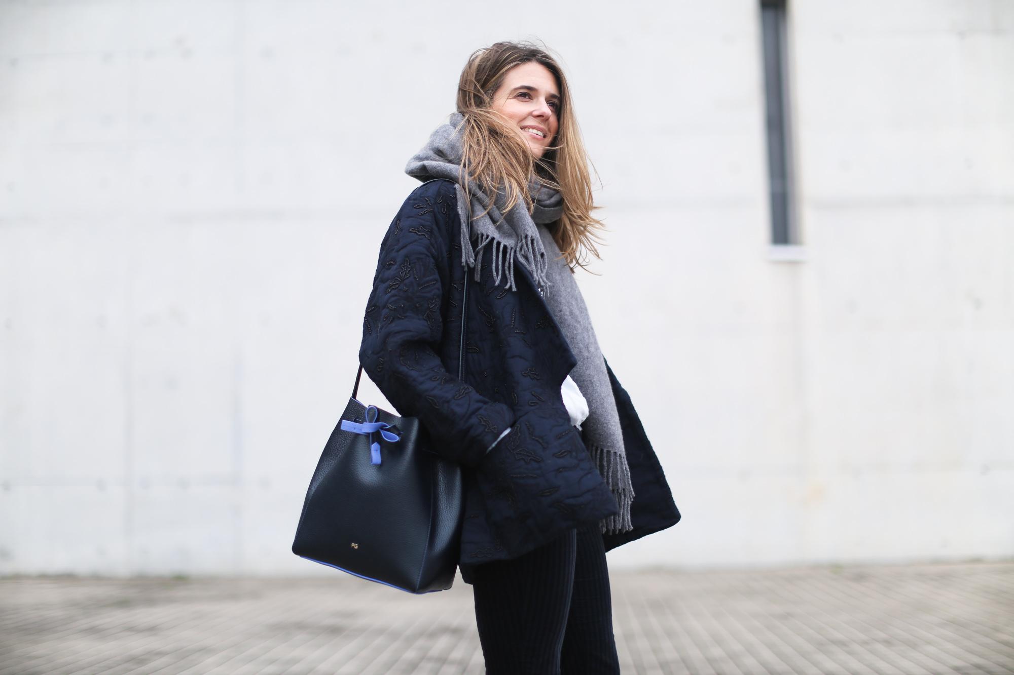 clochet_streetstyle_embroided_kimono_jacket_purificacion_garcia_bucket_bag-6