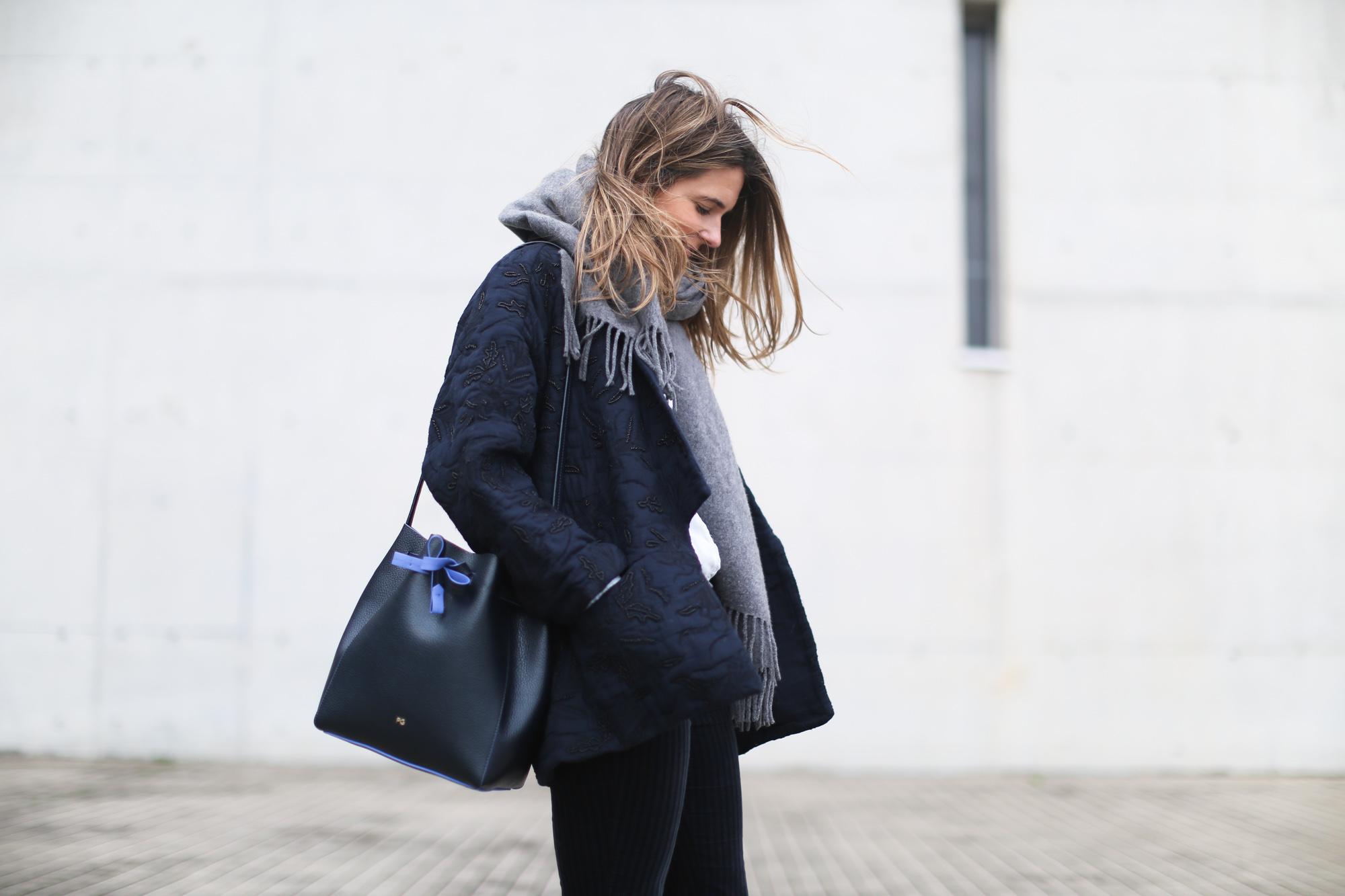 clochet_streetstyle_embroided_kimono_jacket_purificacion_garcia_bucket_bag-7