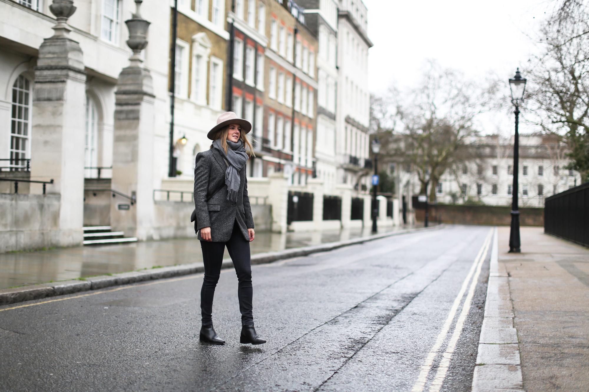 clochet_streetstyle_topshop_jamie_jeans_zara_grey_wool_blazer