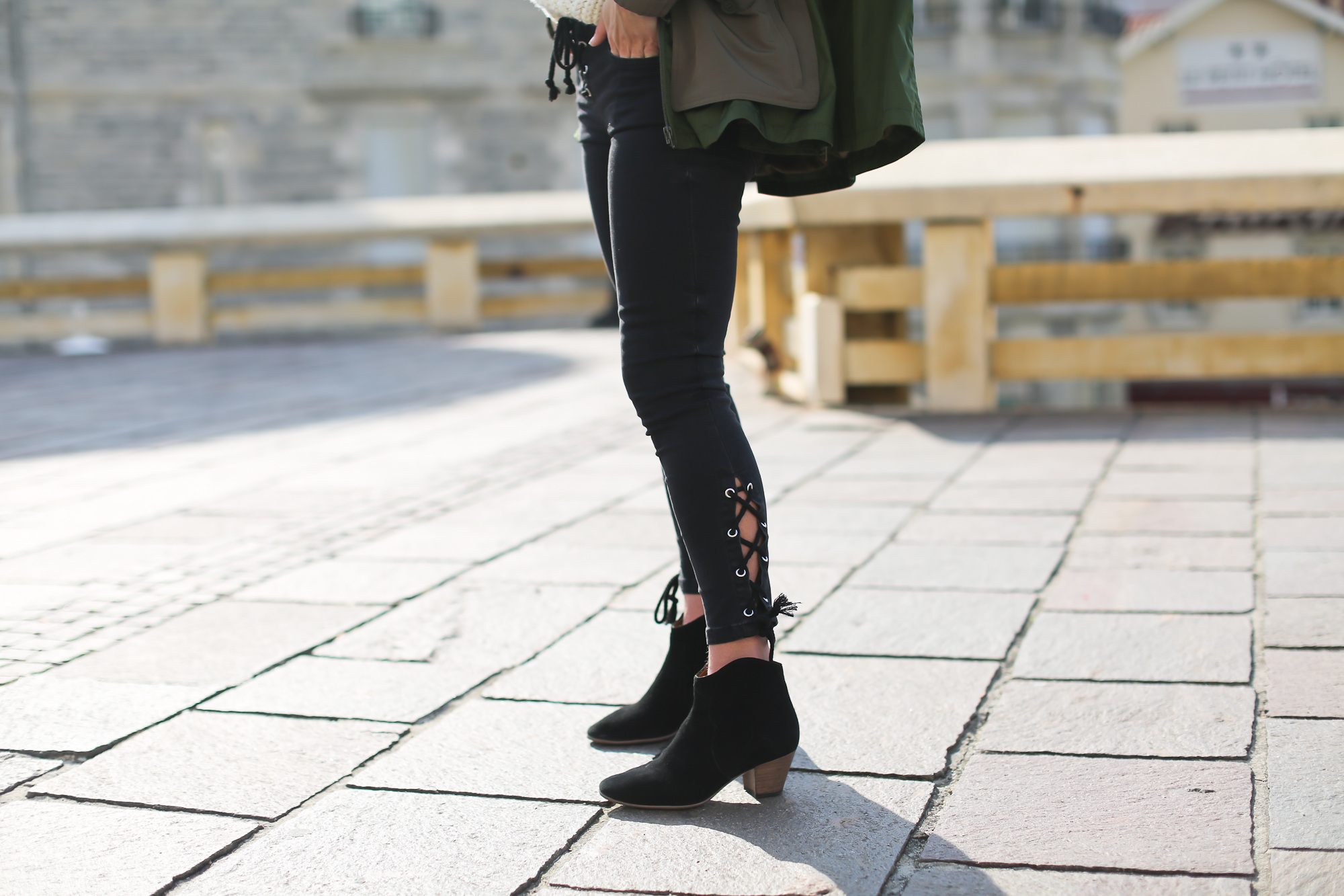 Clochet_streetstyle_h&mstudio_parka_isabelmarant_dicker_boots-7