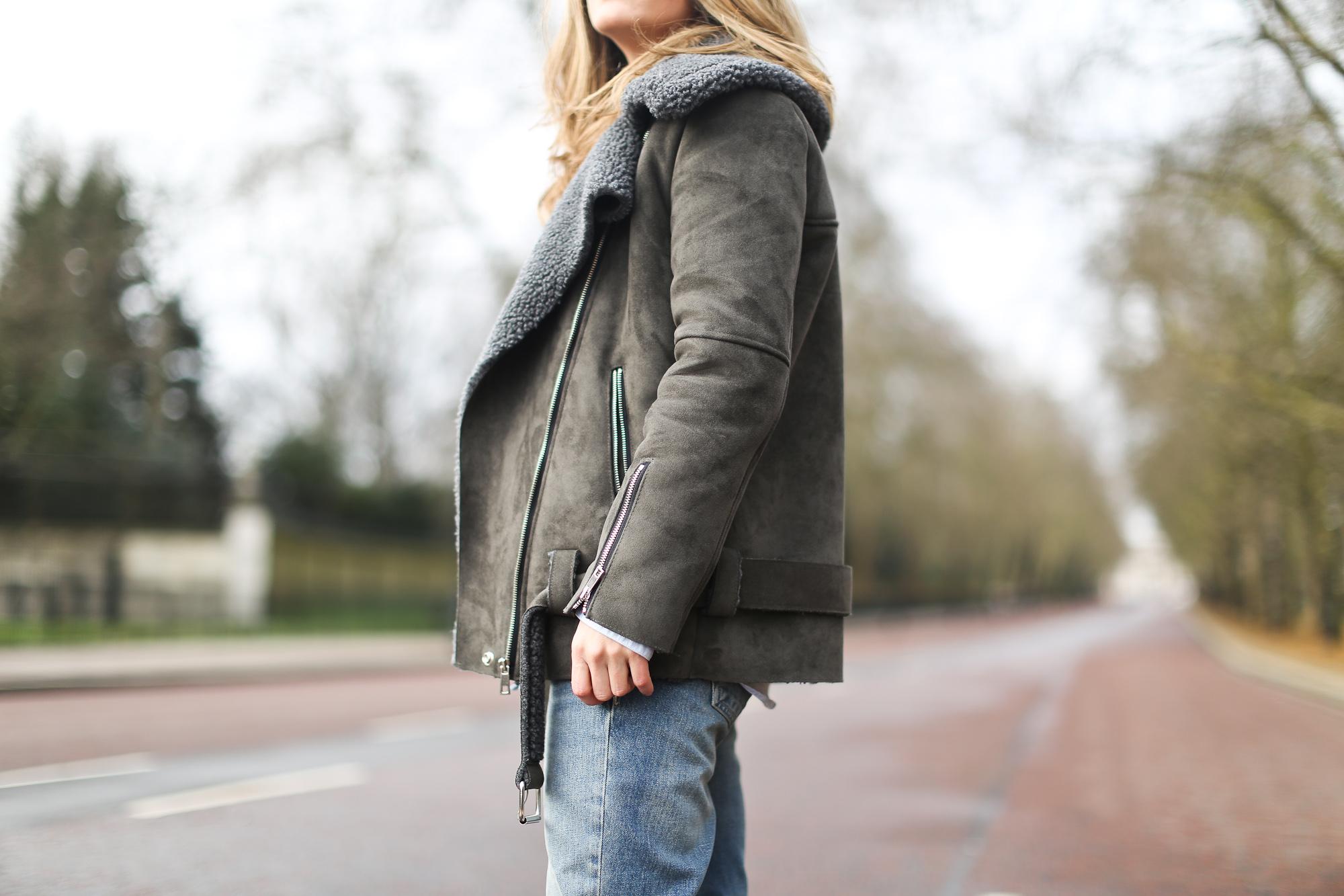 Clochet_streetstyle_london_fashion_week_bimba&lola_pink_mohair_knit-4