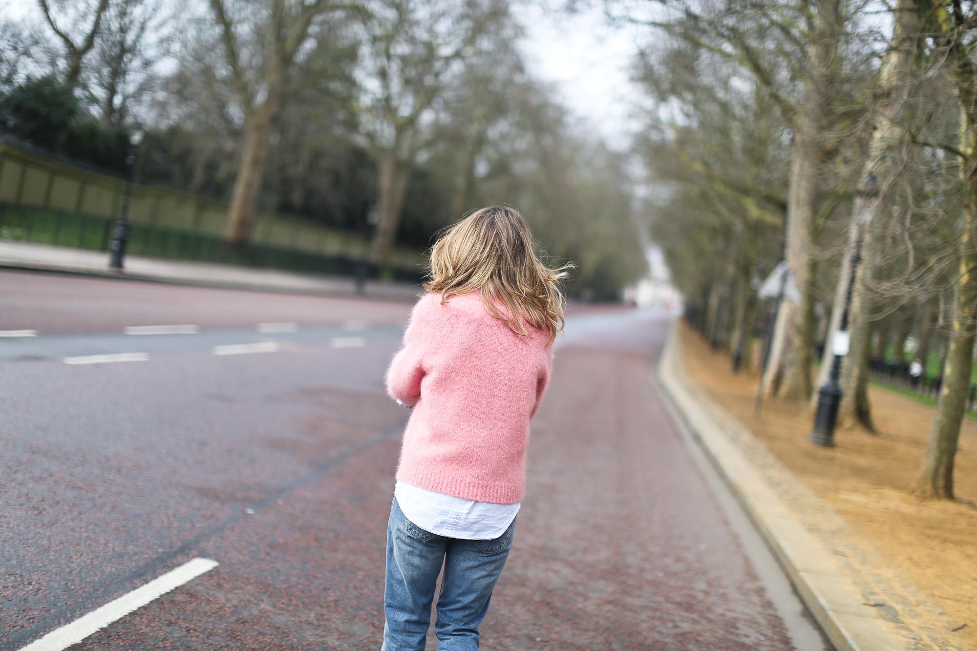 Clochet_streetstyle_london_fashion_week_bimba&lola_pink_mohair_knit-7