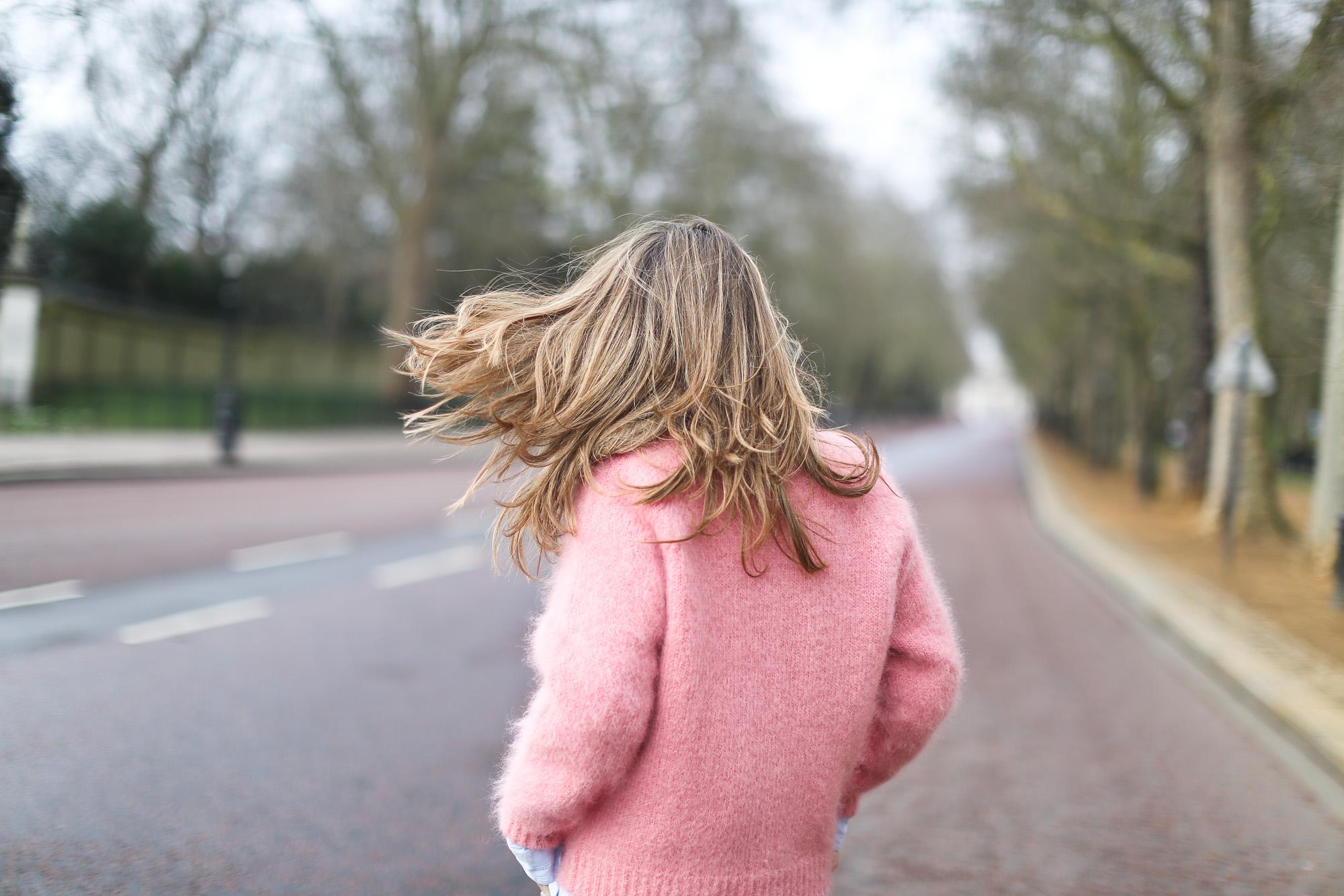 Clochet_streetstyle_london_fashion_week_bimba&lola_pink_mohair_knit-8