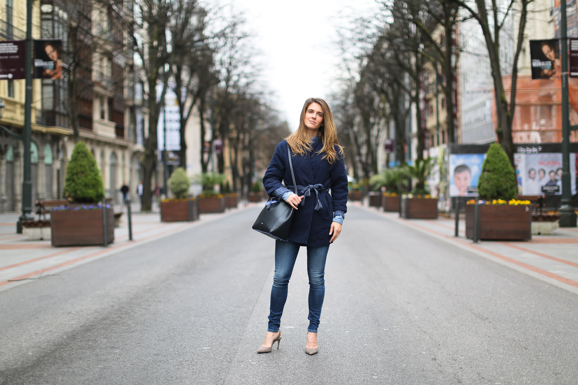 Clochet_streetstyle_pepejeans_skinny_jeans_purificaciongarcia_bucket_bag-4