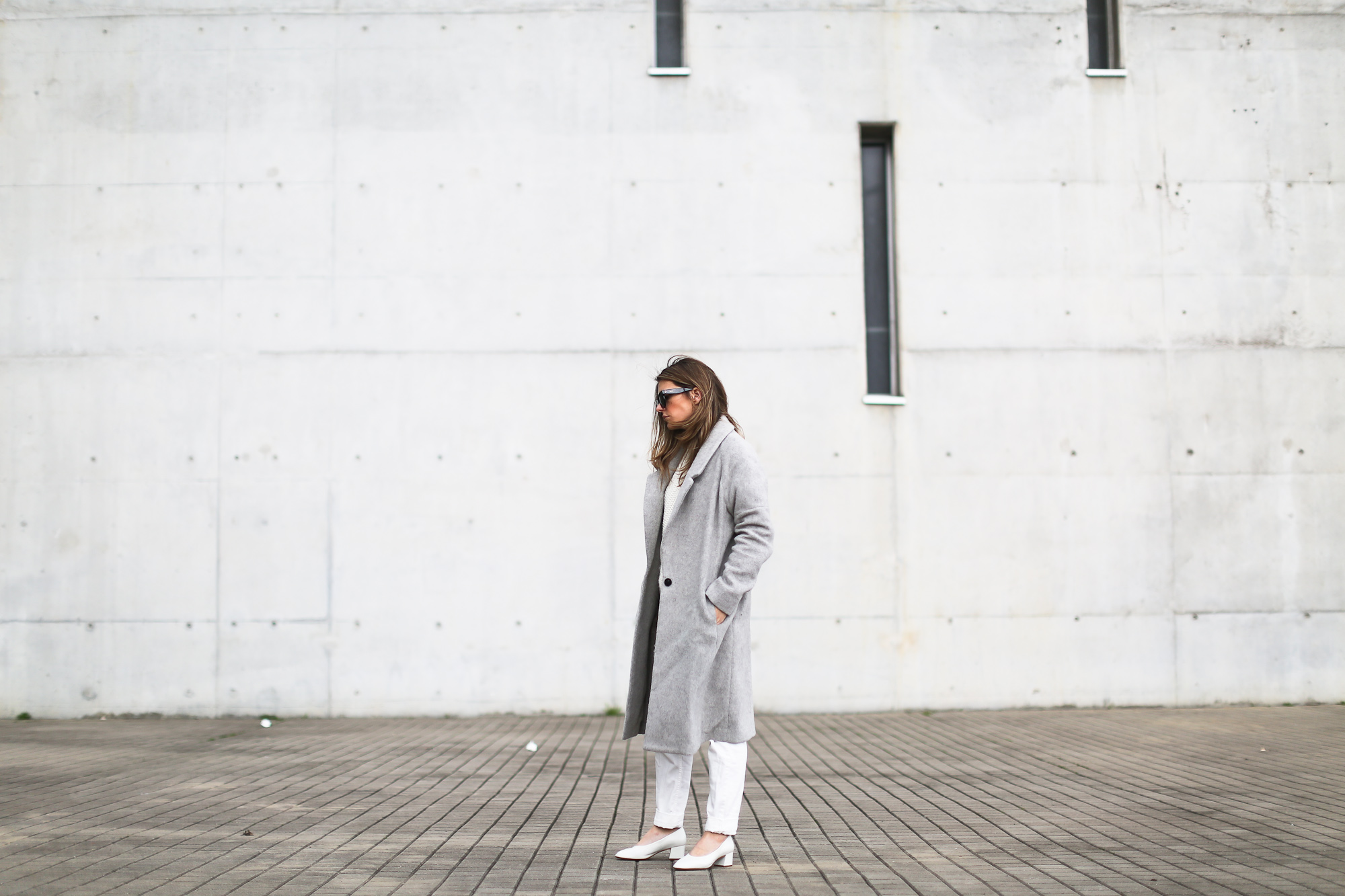 Clochet_streetstyle_wool_long_grey_coat_zara_white_leather_granny_shoes-2