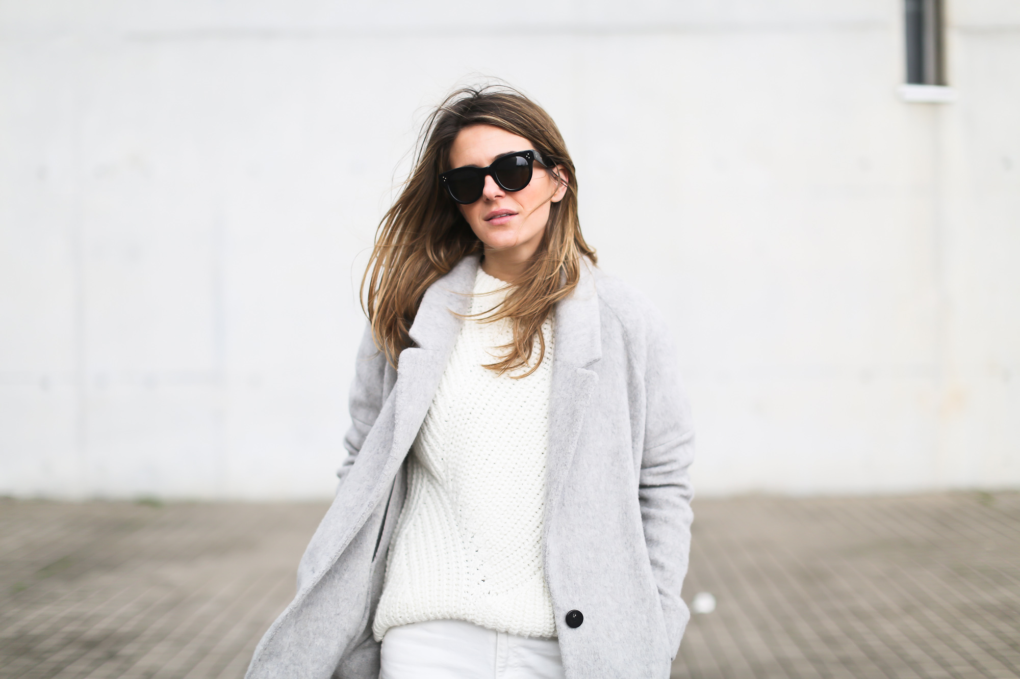 Clochet_streetstyle_wool_long_grey_coat_zara_white_leather_granny_shoes-6
