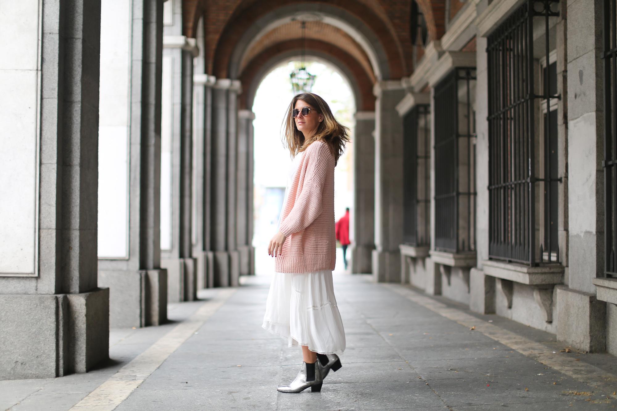 Clochet_streetstyle_lookiero_americanvintage_nude_cardigan_vila_white_boho_Dress-8