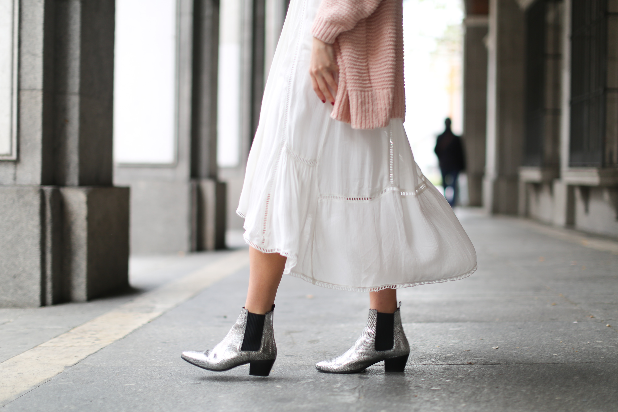 Clochet_streetstyle_lookiero_americanvintage_nude_cardigan_vila_white_boho_Dress-9