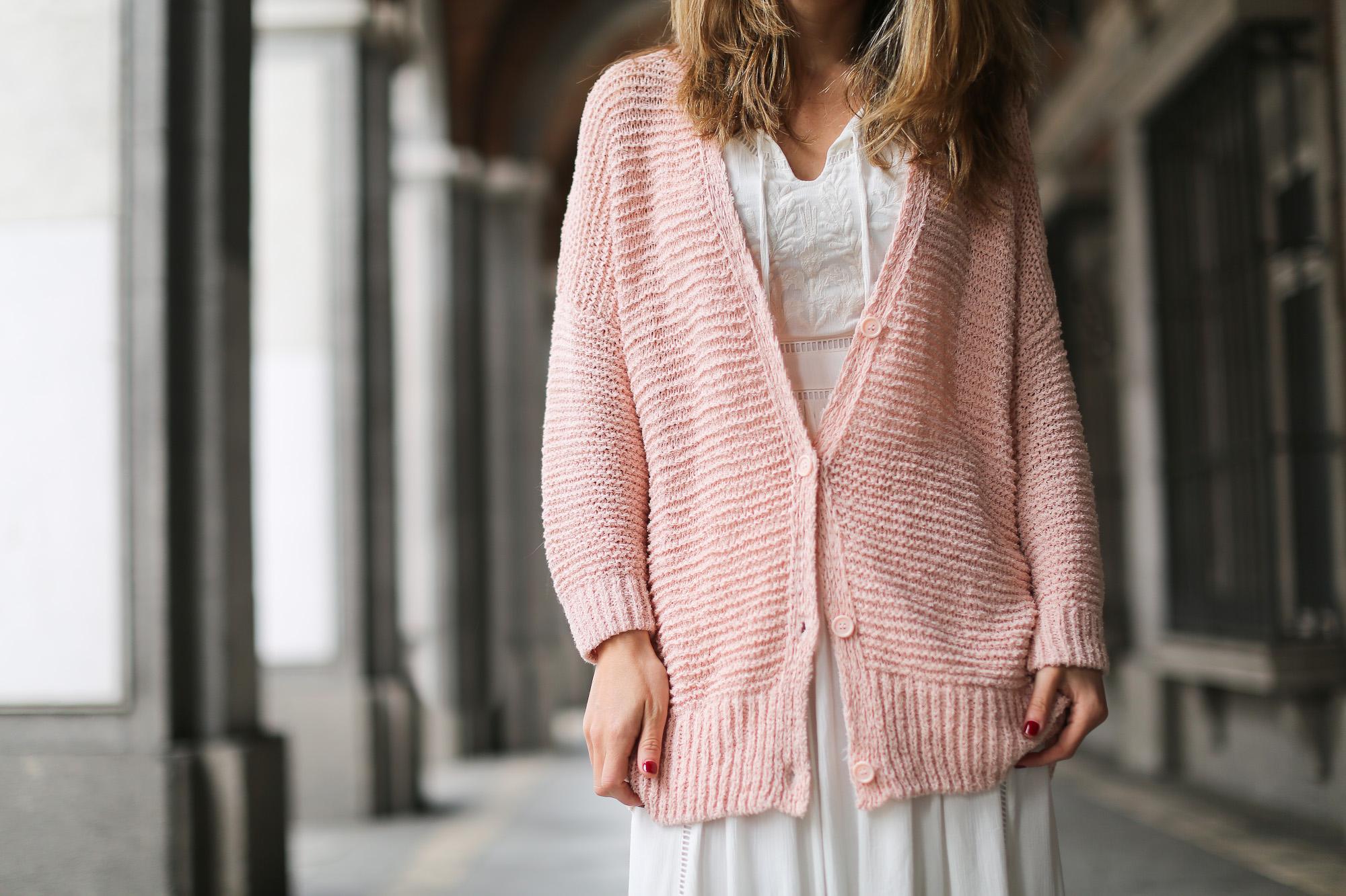 Clochet_streetstyle_lookiero_americanvintage_nude_cardigan_vila_white_boho_Dress