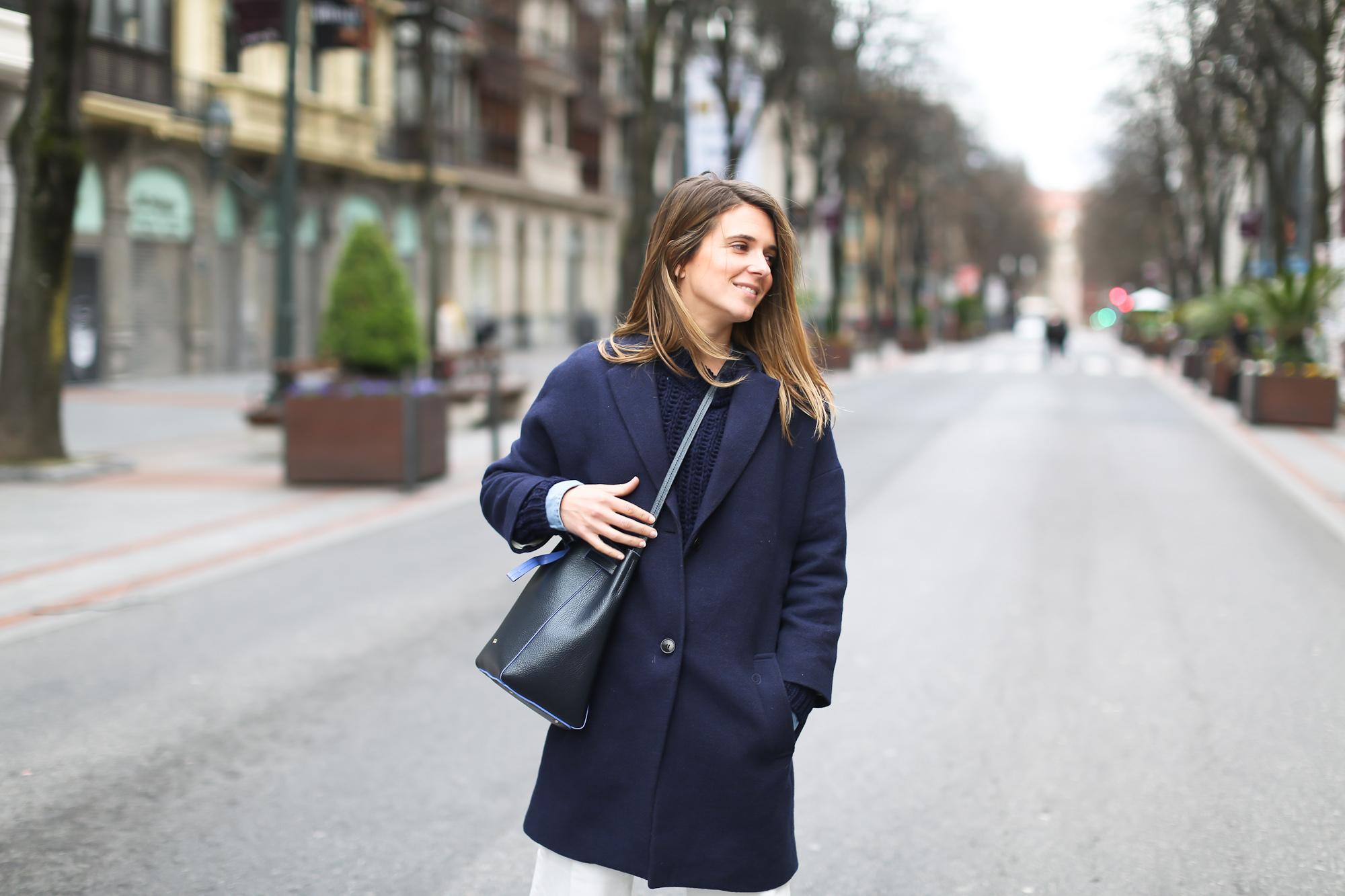 Clochet_streetstyle_masscob_coulson_coat_trimmerbilbao_granny_shoes_white_culottes-4