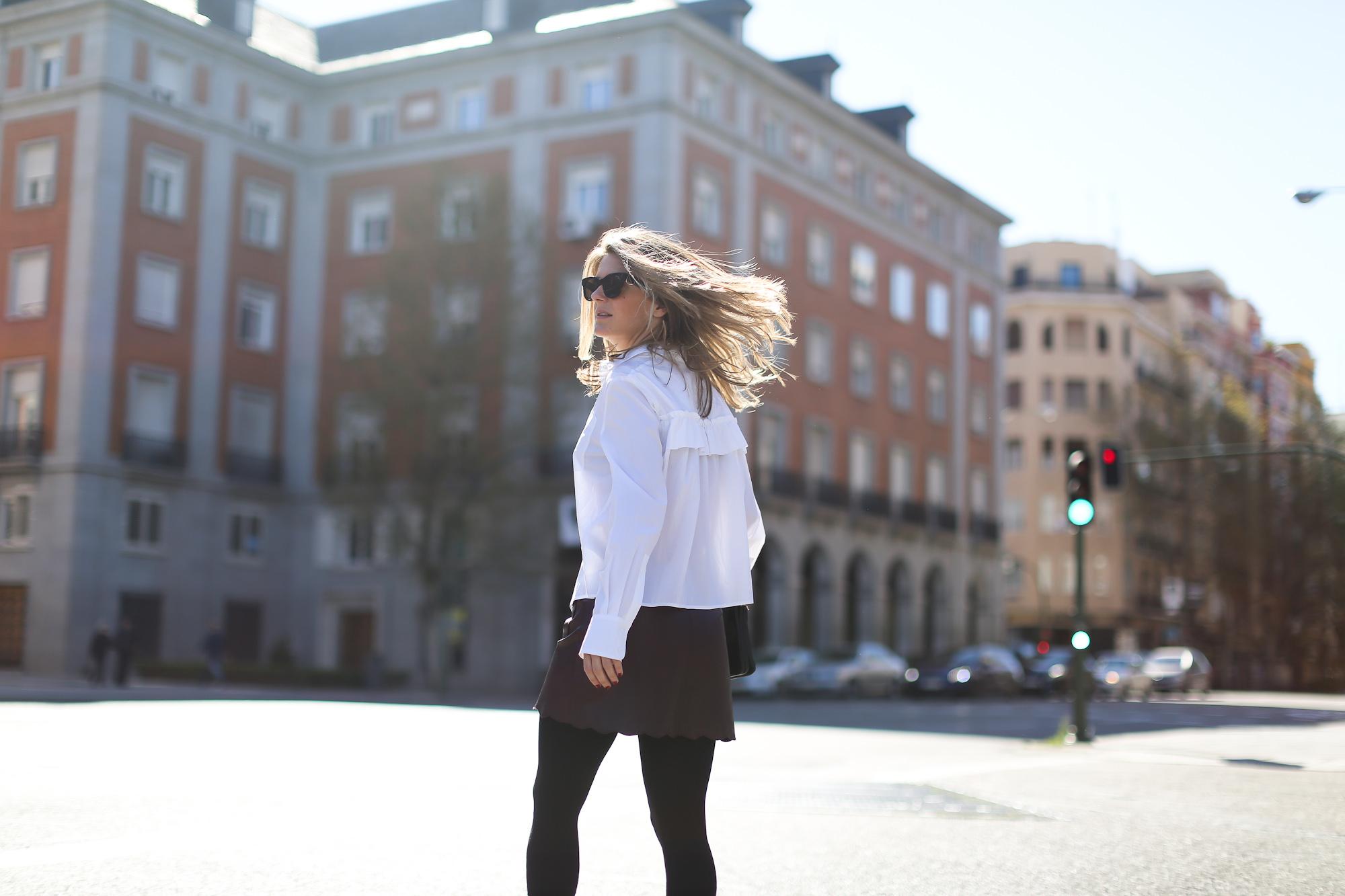 Clochet_streetstyle_maxandCo_leatherminiskirt_h&mtrend_blouse_sandroparis-brogues-4