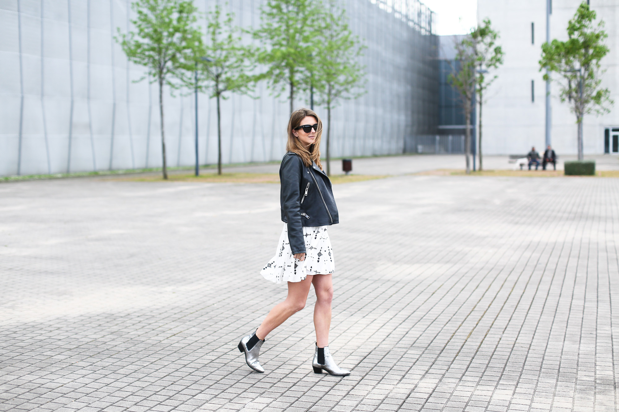 Clochet_streetstyle_ikks_dress_mango_leather_biker_maje_boots-6