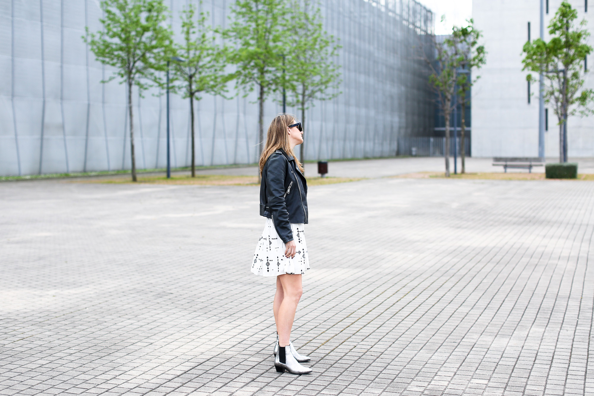 Clochet_streetstyle_ikks_dress_mango_leather_biker_maje_boots
