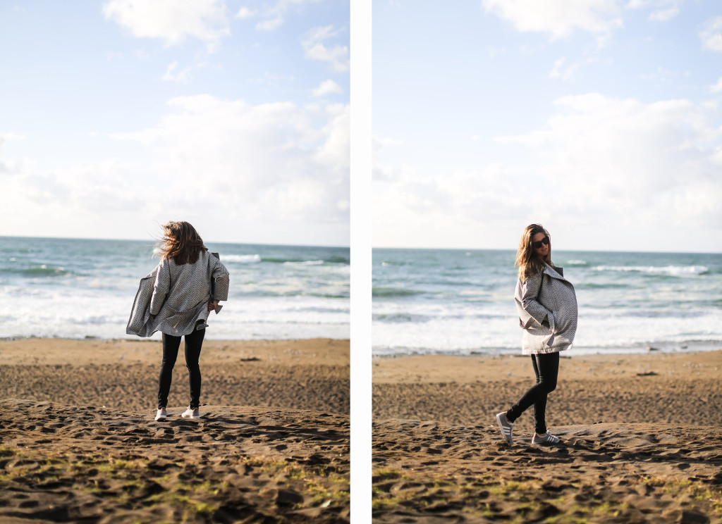 clochet_streetstyle_blanco_grey_coat_gas_jeans_adidas_gazelle_vintage_grey-11