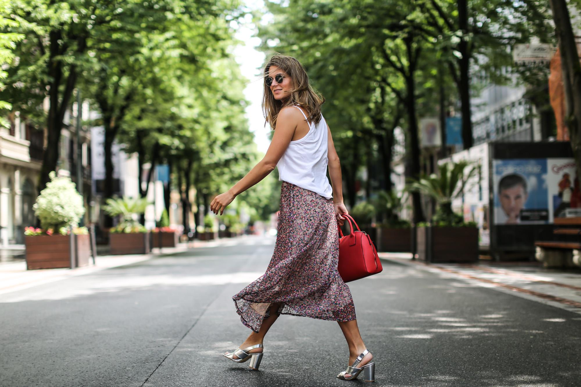 clochet_streetstyle_blanco_ollie_bag_lacepleatedskirt-9
