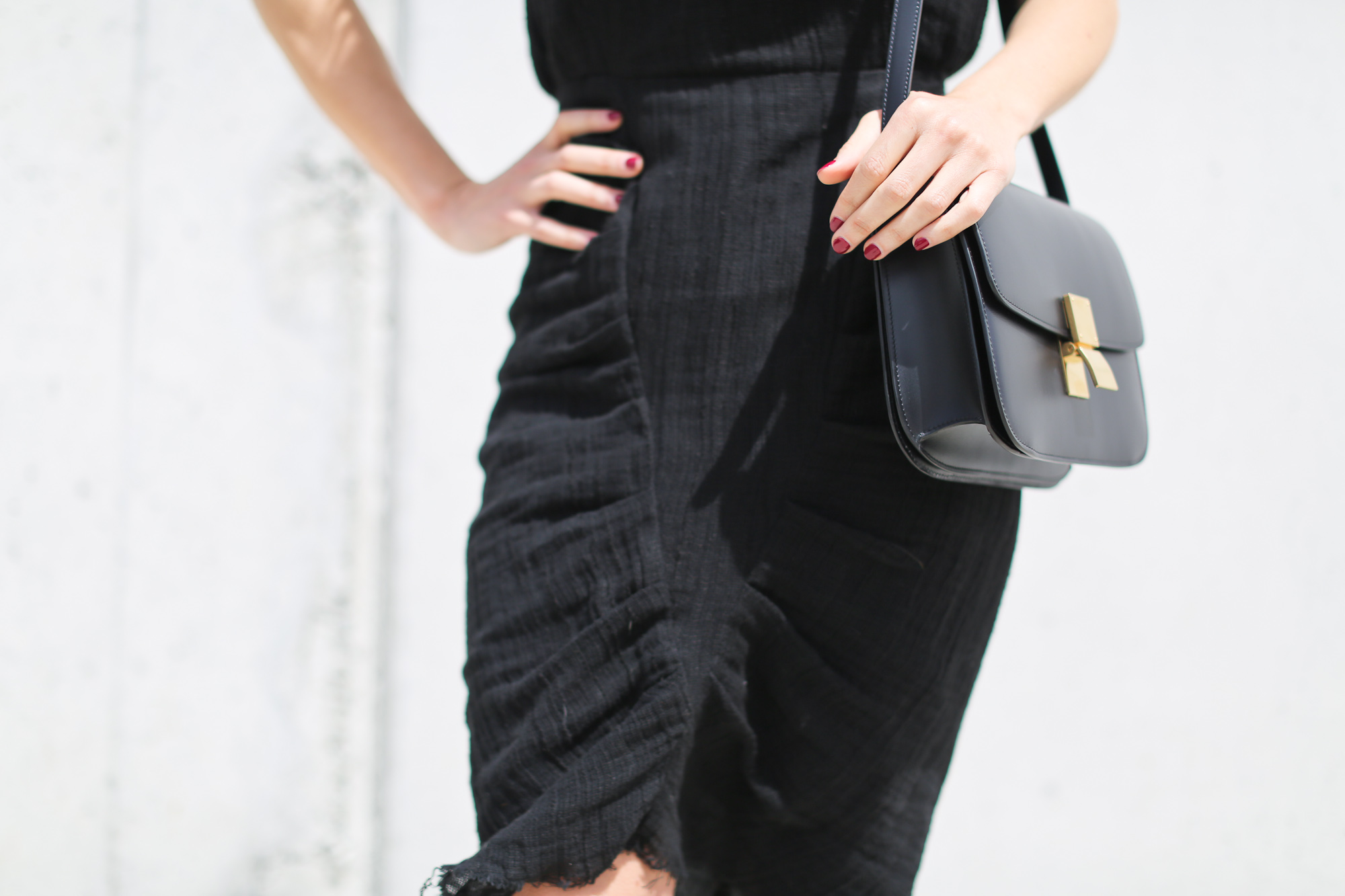 Clochet_streetstyle_masscob_villa_linen_dress_trimmerbilbao_celineboxbag-7