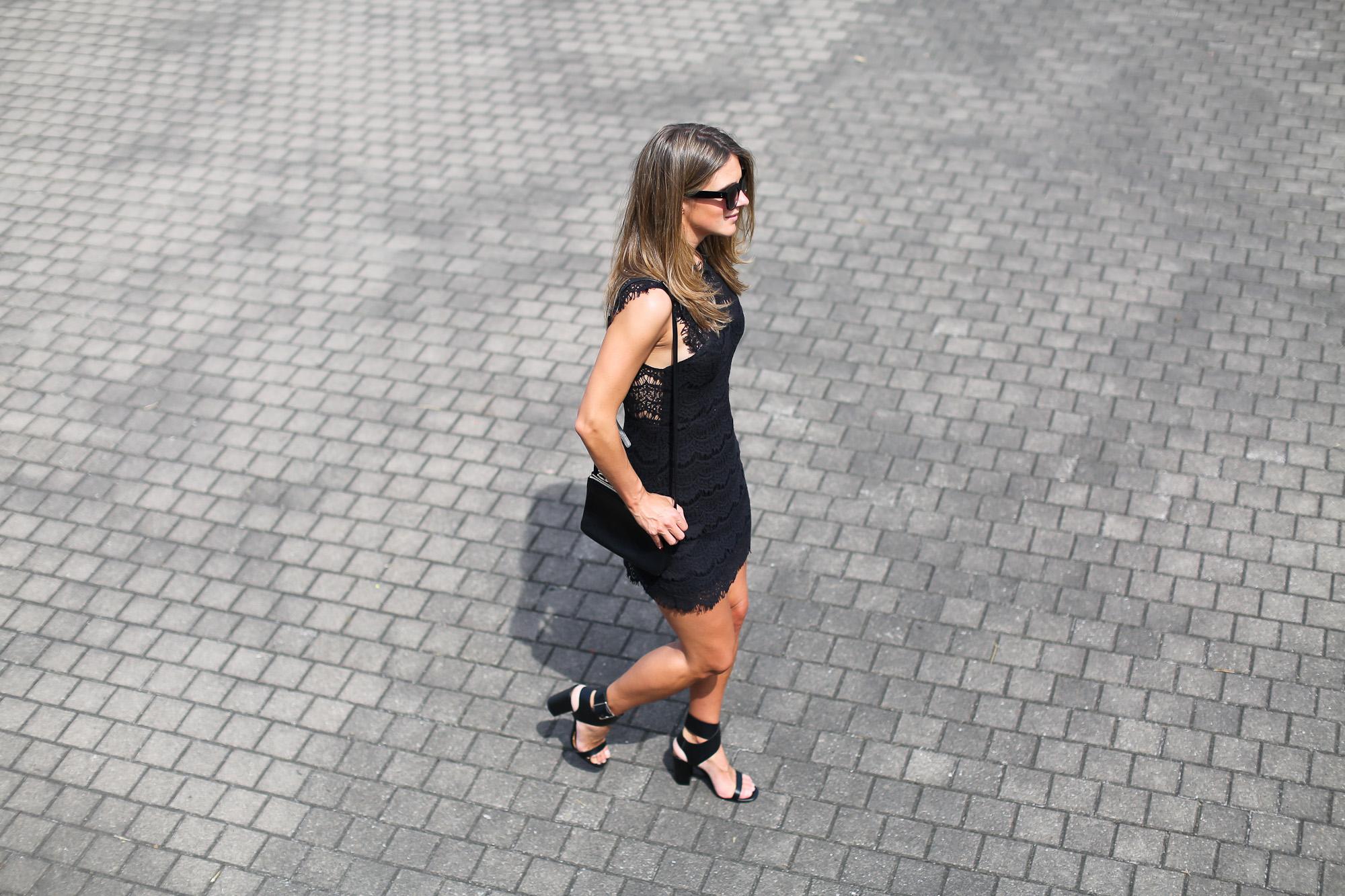Clochet_streetstyle_tiesandheels_vestidovintagesweet_bailarinaspunteraconbrillos-4