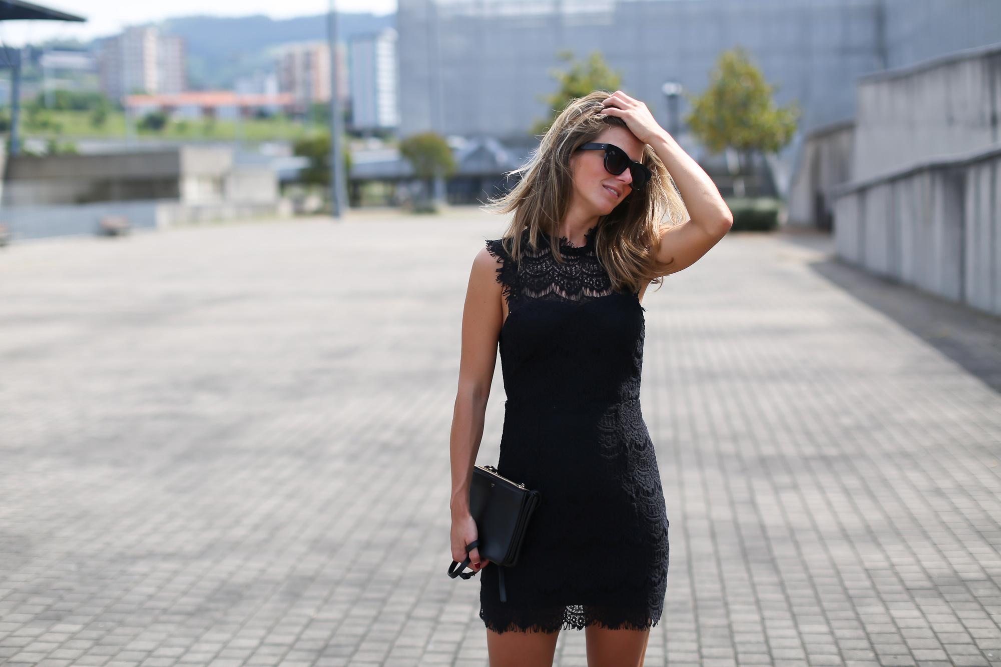 Clochet_streetstyle_tiesandheels_vestidovintagesweet_bailarinaspunteraconbrillos-7