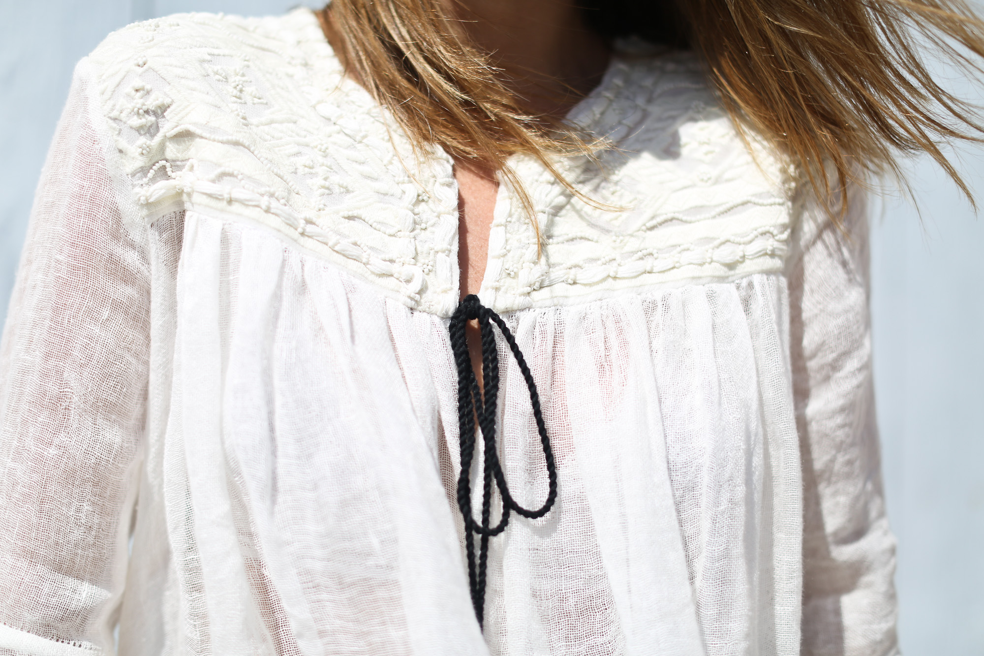 Clochet_streetstyle_zara_embroided_linen_kimonojacket_vintagelevis501shorts-5