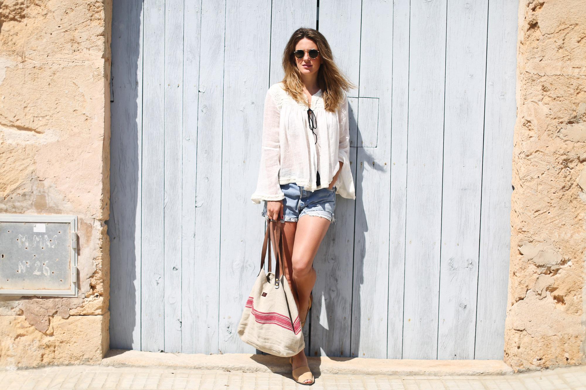 Clochet_streetstyle_zara_embroided_linen_kimonojacket_vintagelevis501shorts