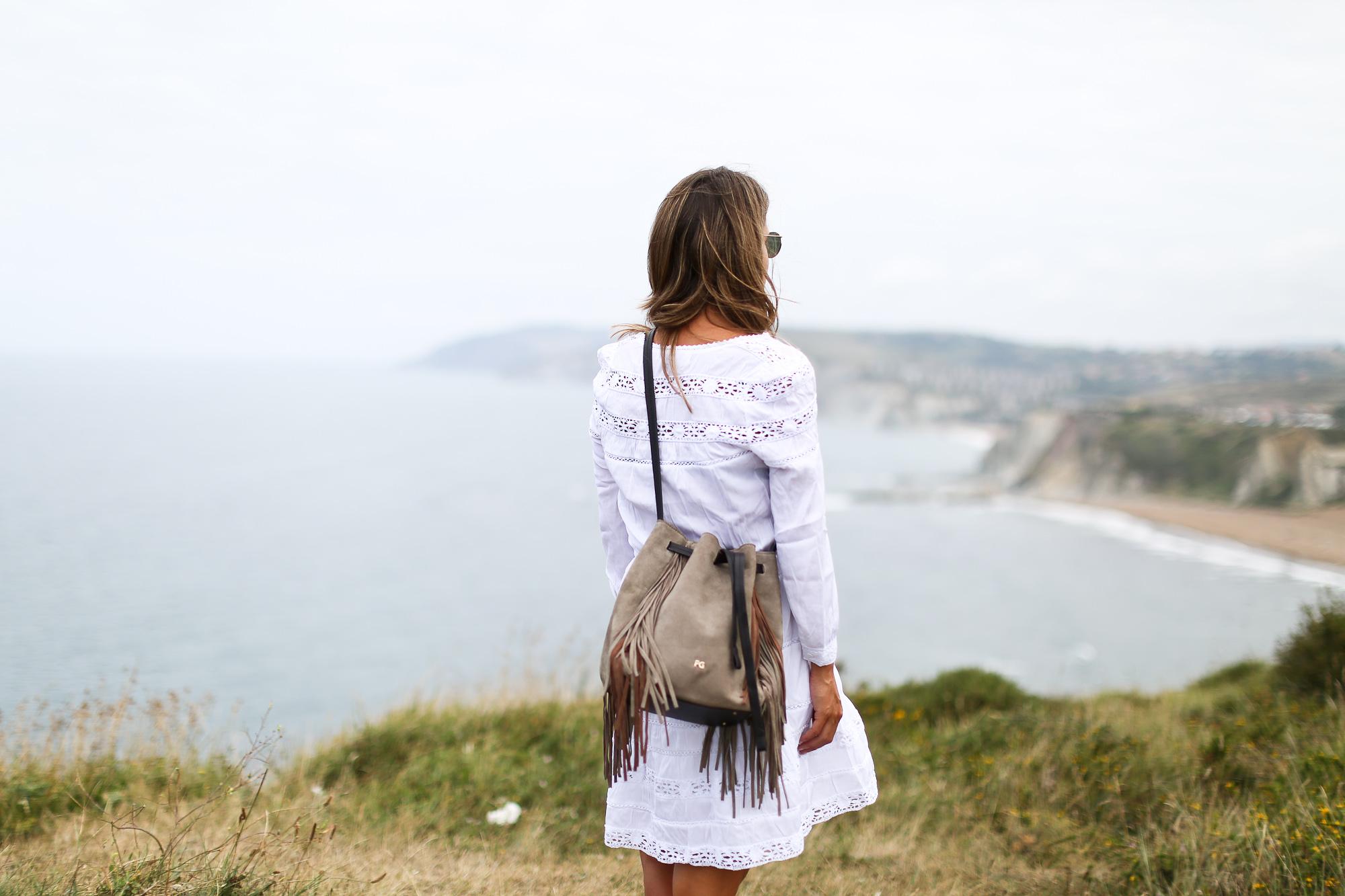 Clochet_streetstyle_chicwish_boho_little_white_dress_purificaciongarcia_go_on_bombonera_boho-5
