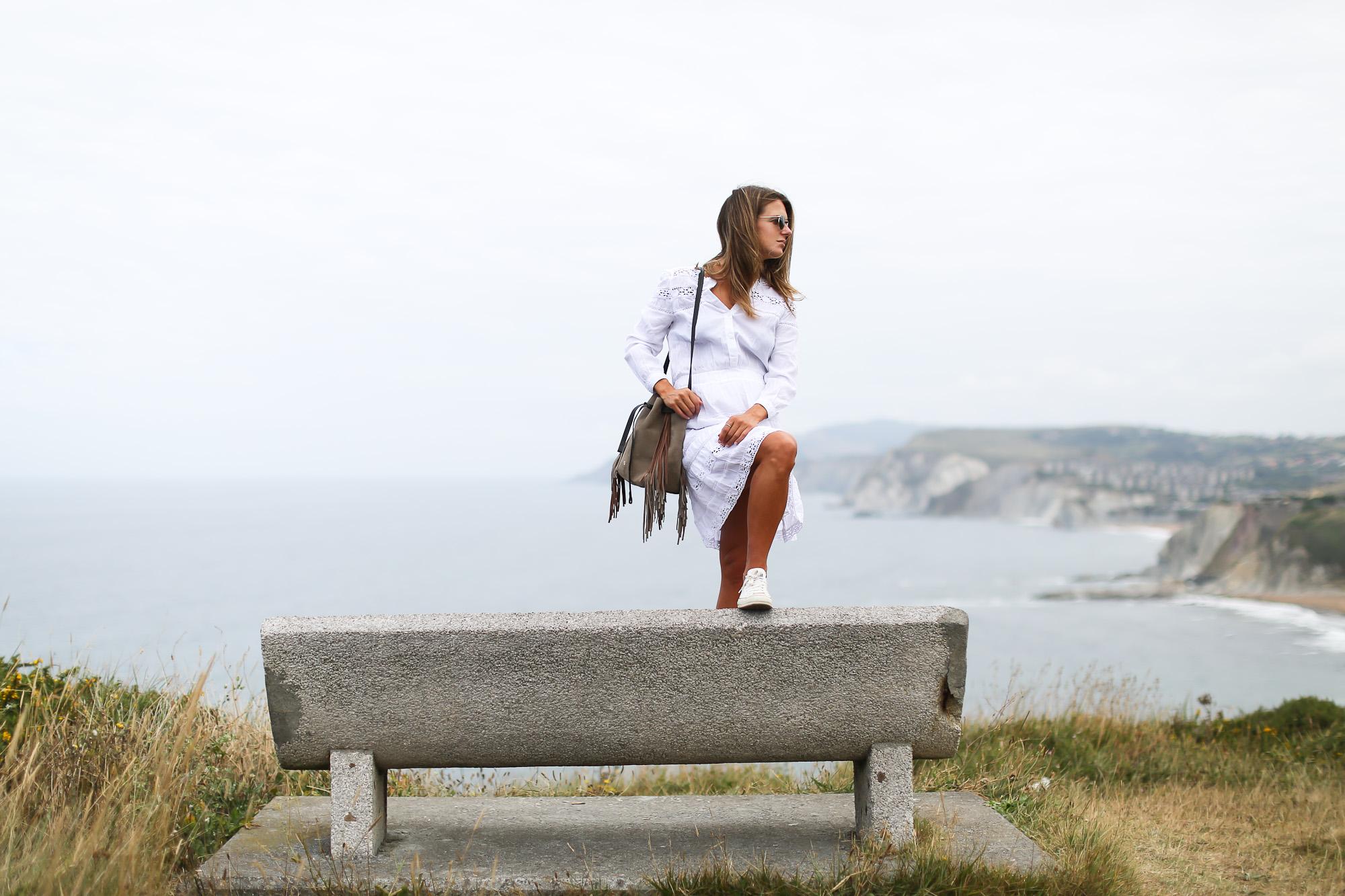 Clochet_streetstyle_chicwish_boho_little_white_dress_purificaciongarcia_go_on_bombonera_boho