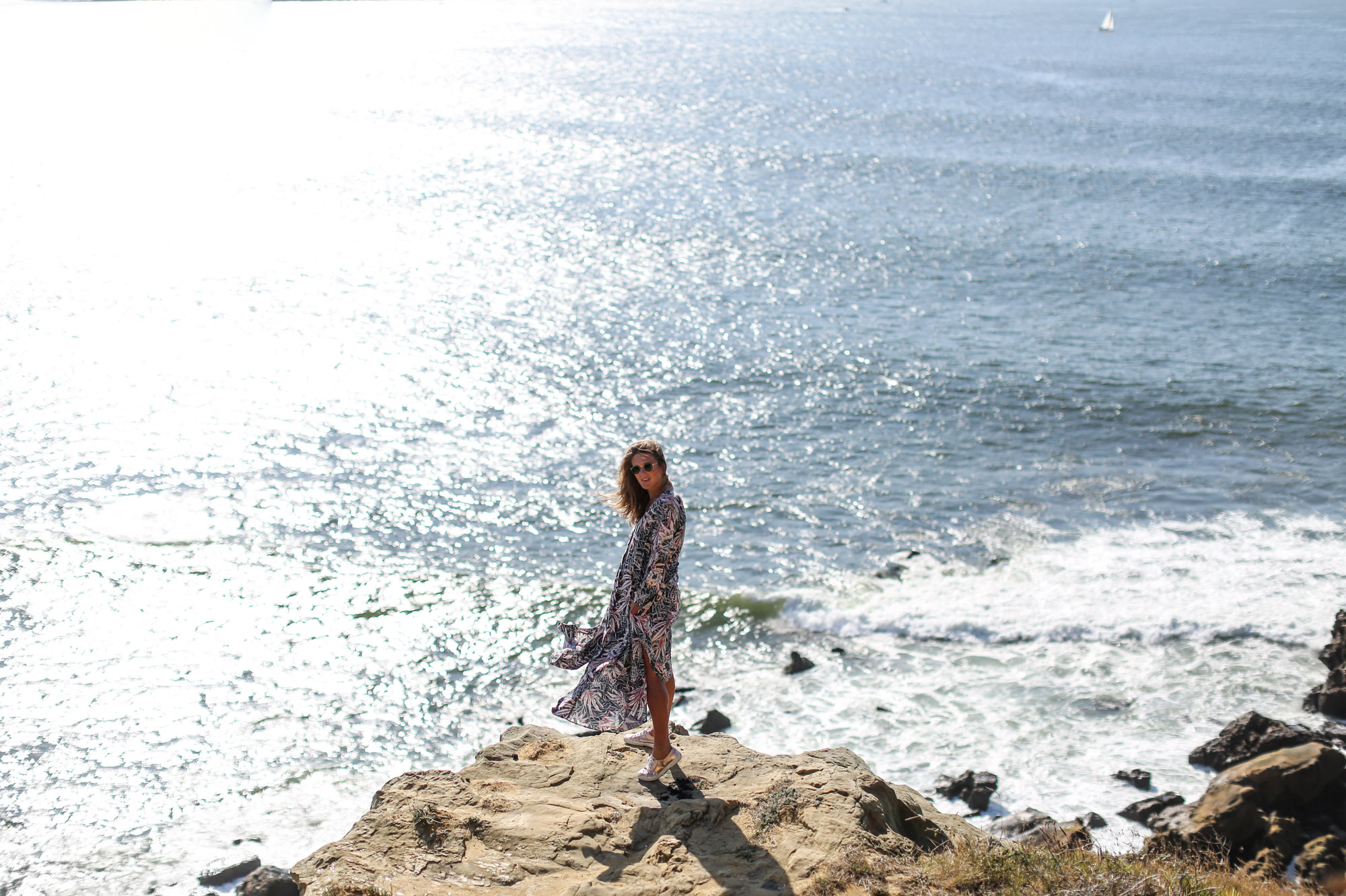 Clochet_streetstyle_fashionblogger_h&mtrend_longprintedshirtdress_rosegoldsuperga-2