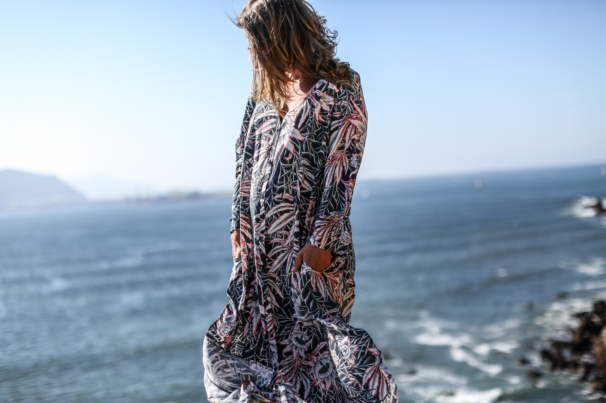 Clochet_streetstyle_fashionblogger_h&mtrend_longprintedshirtdress_rosegoldsuperga-6