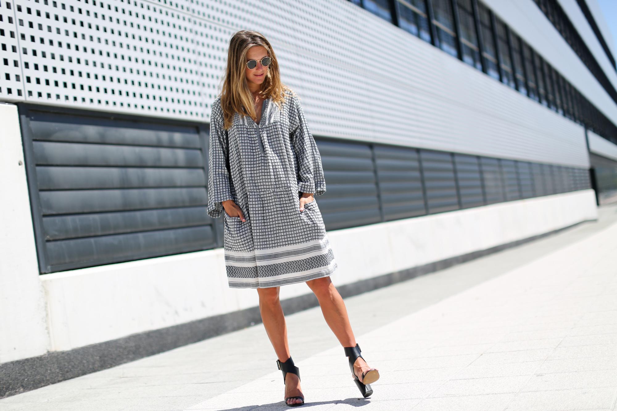 clochet_streetstyle_isabelmarantetoile_dress_celineparis_triobag-2
