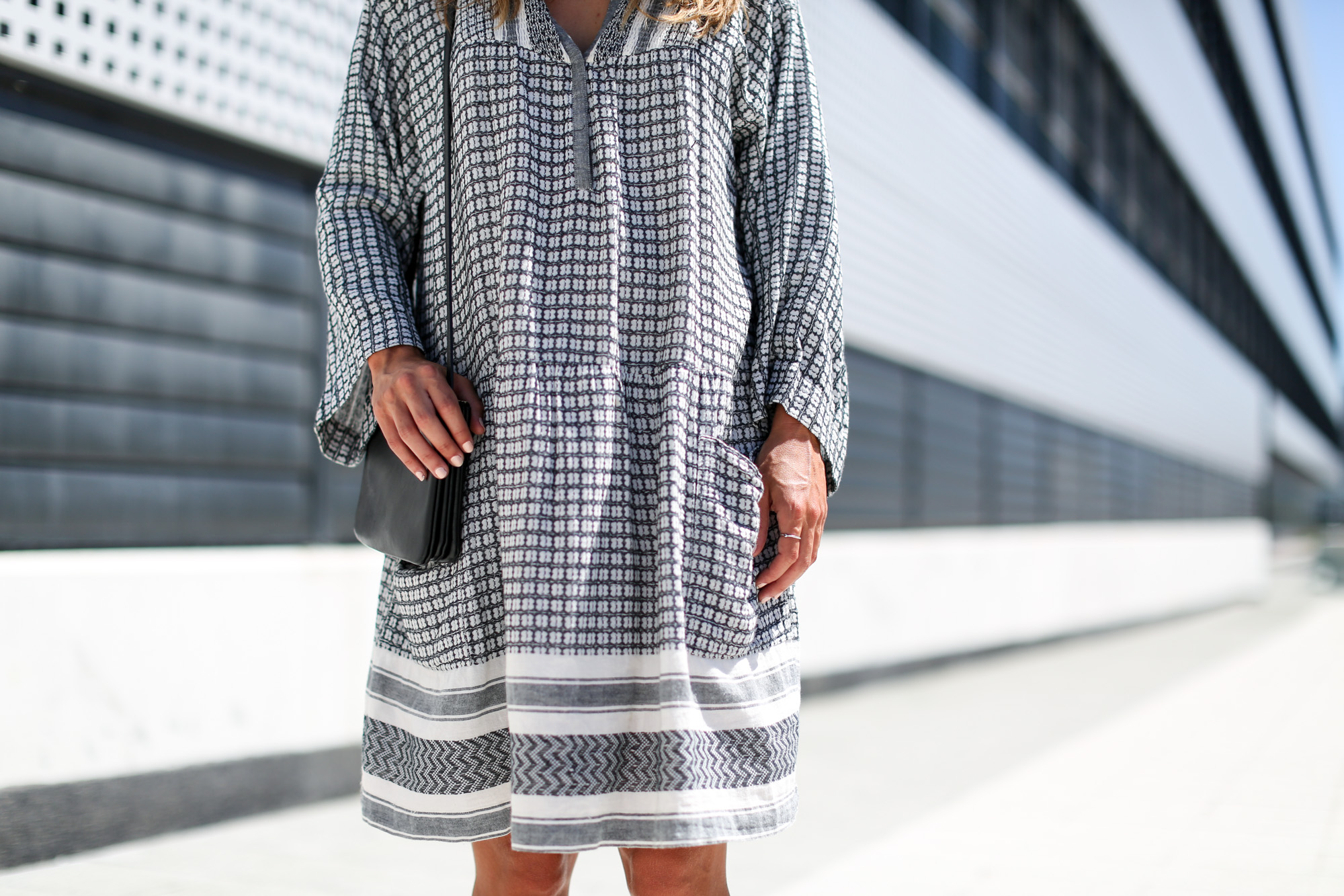 clochet_streetstyle_isabelmarantetoile_dress_celineparis_triobag-4