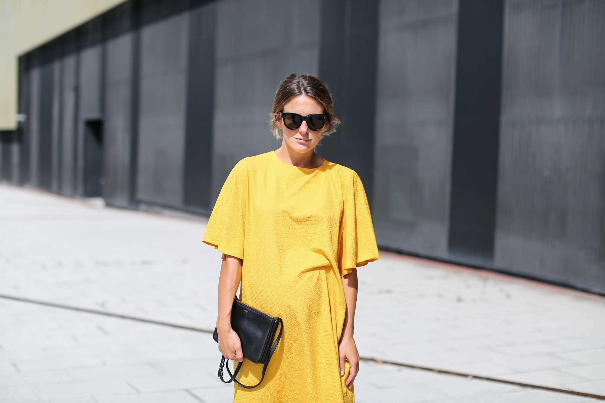 Clochet_streetstyle_fashionblogger_bilbao_zara_joinlife_yellow_minimaldress_celinetriobag-4