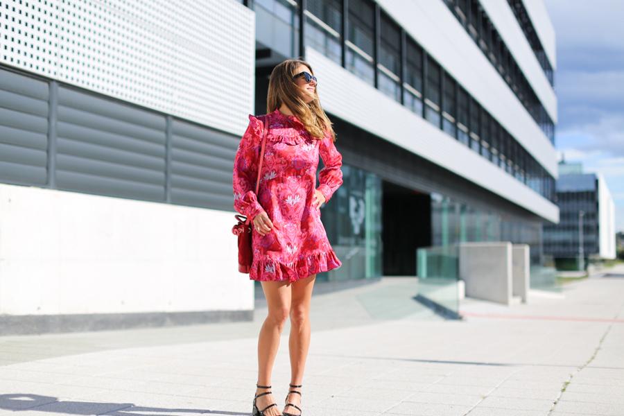 clochet_streetstyle_fashioblogger_zara_pinkandredprintedsilkminidress_gucci_titamadridminiparadis-5