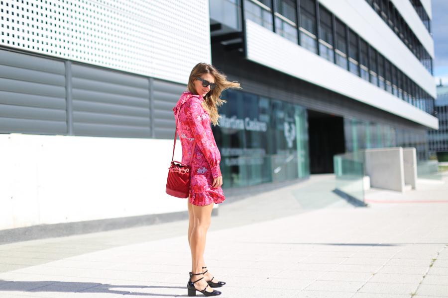 clochet_streetstyle_fashioblogger_zara_pinkandredprintedsilkminidress_gucci_titamadridminiparadis-6