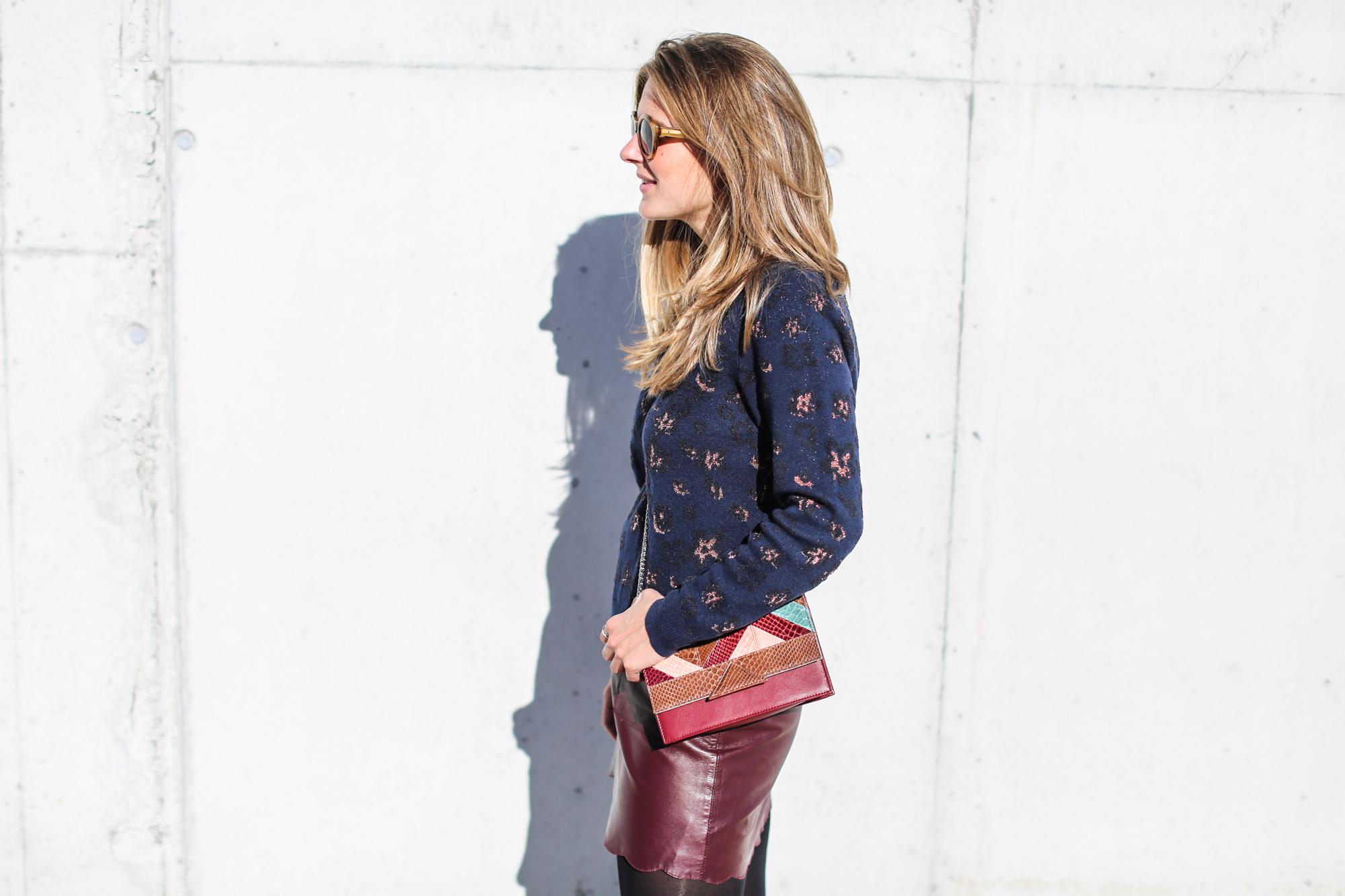 Clochet_fashionblogger_streetstyle_andotherstories_metallicflowersknit_heroscarf_leatherminiskirt-11