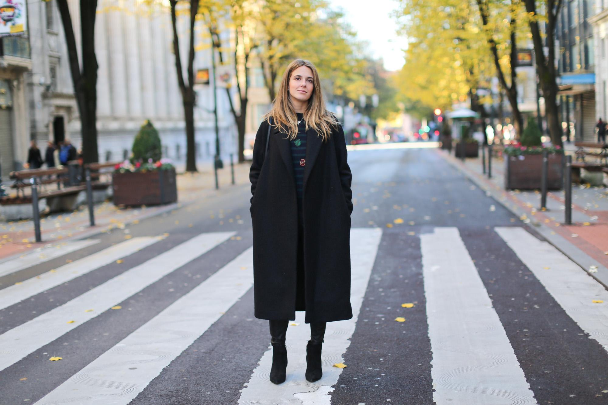 Clochet_fashionblogger_streetstyle_claudiepierlot_stripedknit_andotherstories_suedestilettoankleboots_coslongwoolcoat-2