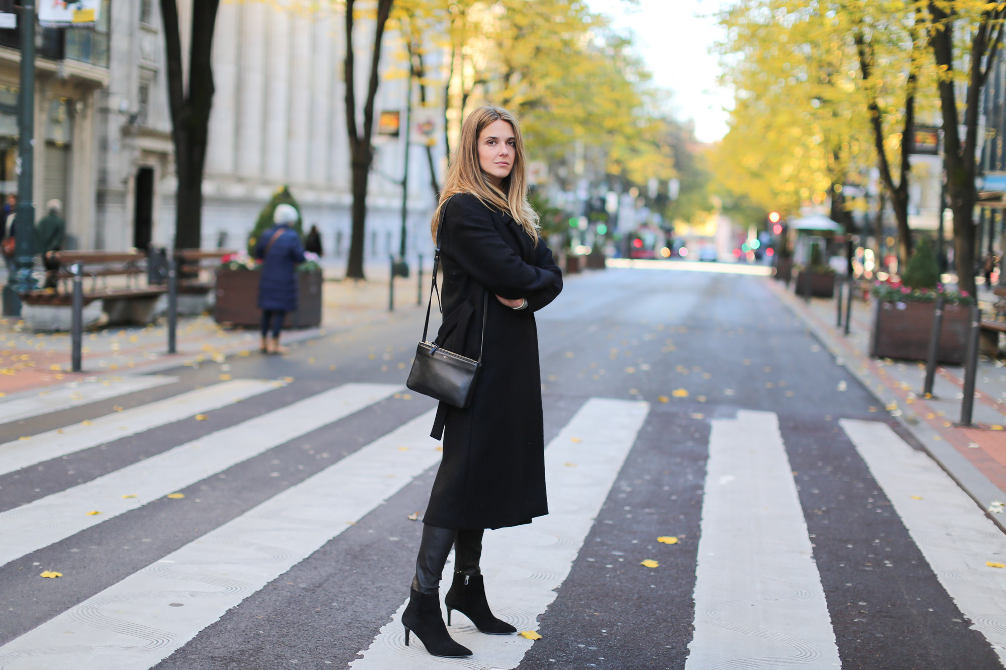 Clochet_fashionblogger_streetstyle_claudiepierlot_stripedknit_andotherstories_suedestilettoankleboots_coslongwoolcoat-3