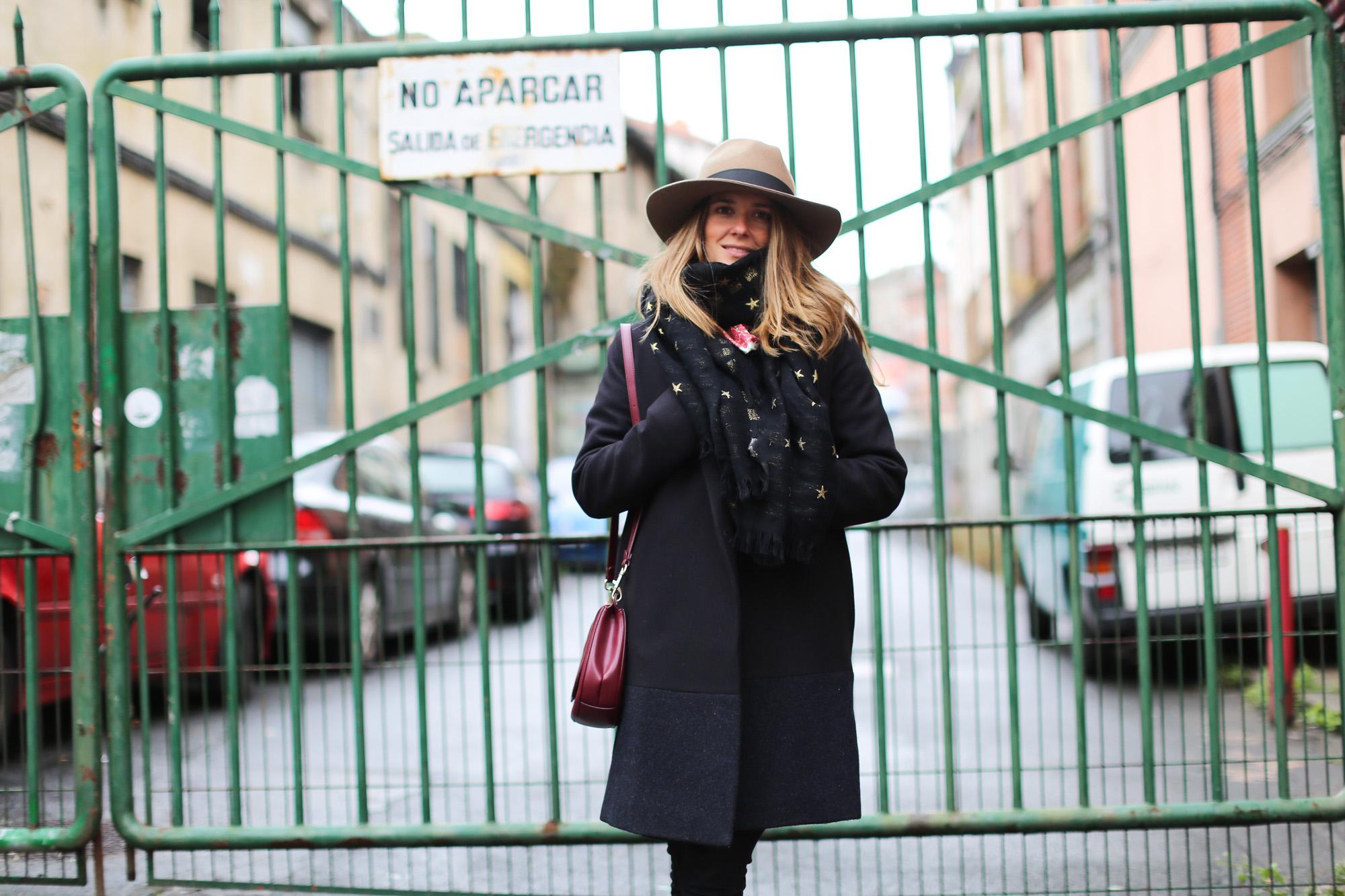 Clochet_fashionblogger_streetstyle_coswoolcoat_purificaciongarciapañuelodeseda_bolsobandolerawestfalia-3