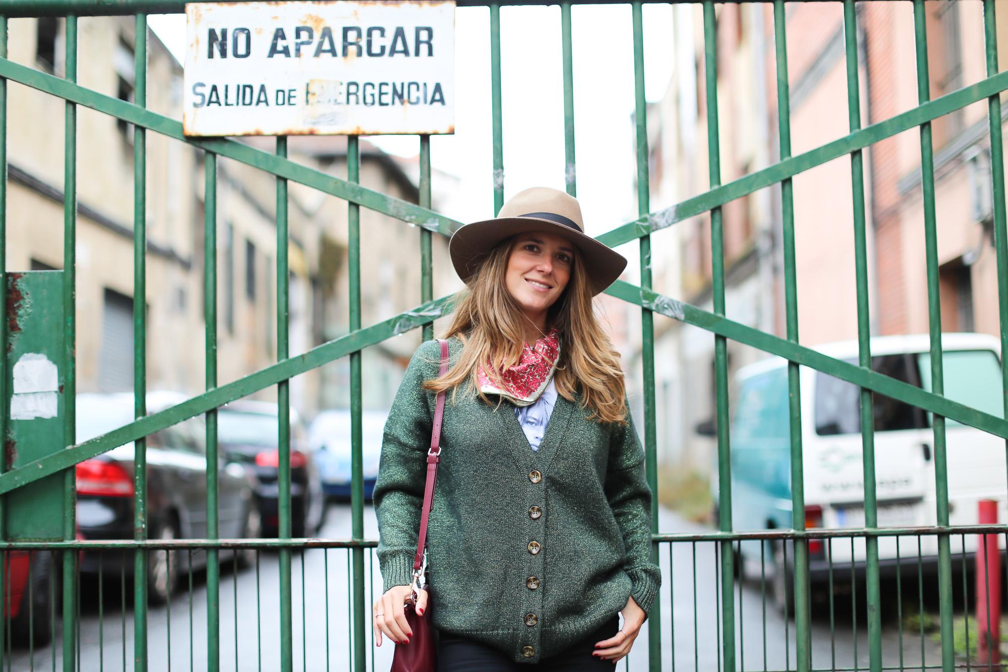 Clochet_fashionblogger_streetstyle_coswoolcoat_purificaciongarciapañuelodeseda_bolsobandolerawestfalia-5