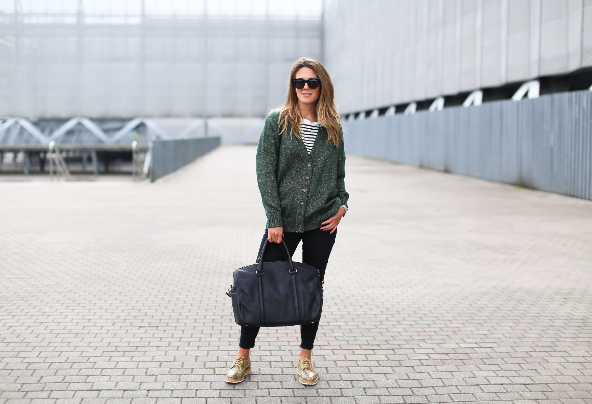 Clochet_fashionblogger_streetstyle_josefinabags_pertinishoes_topshopjamiejeans-5