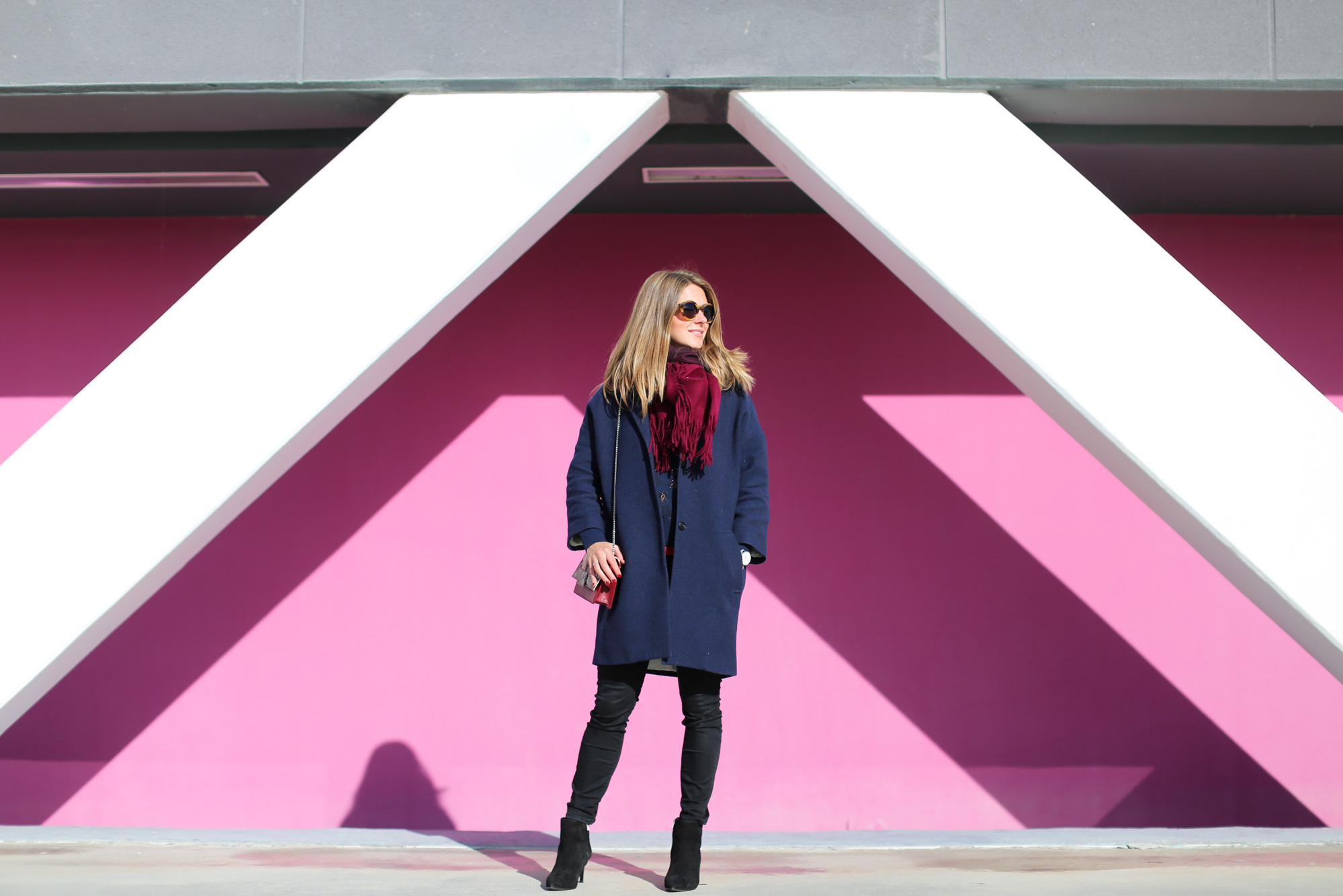Clochet_fashionblogger_streetstyle_&otherstories_stilettoankleboots_burgundyheroscarf_metallicflowerssweater_titamadridspiga-2