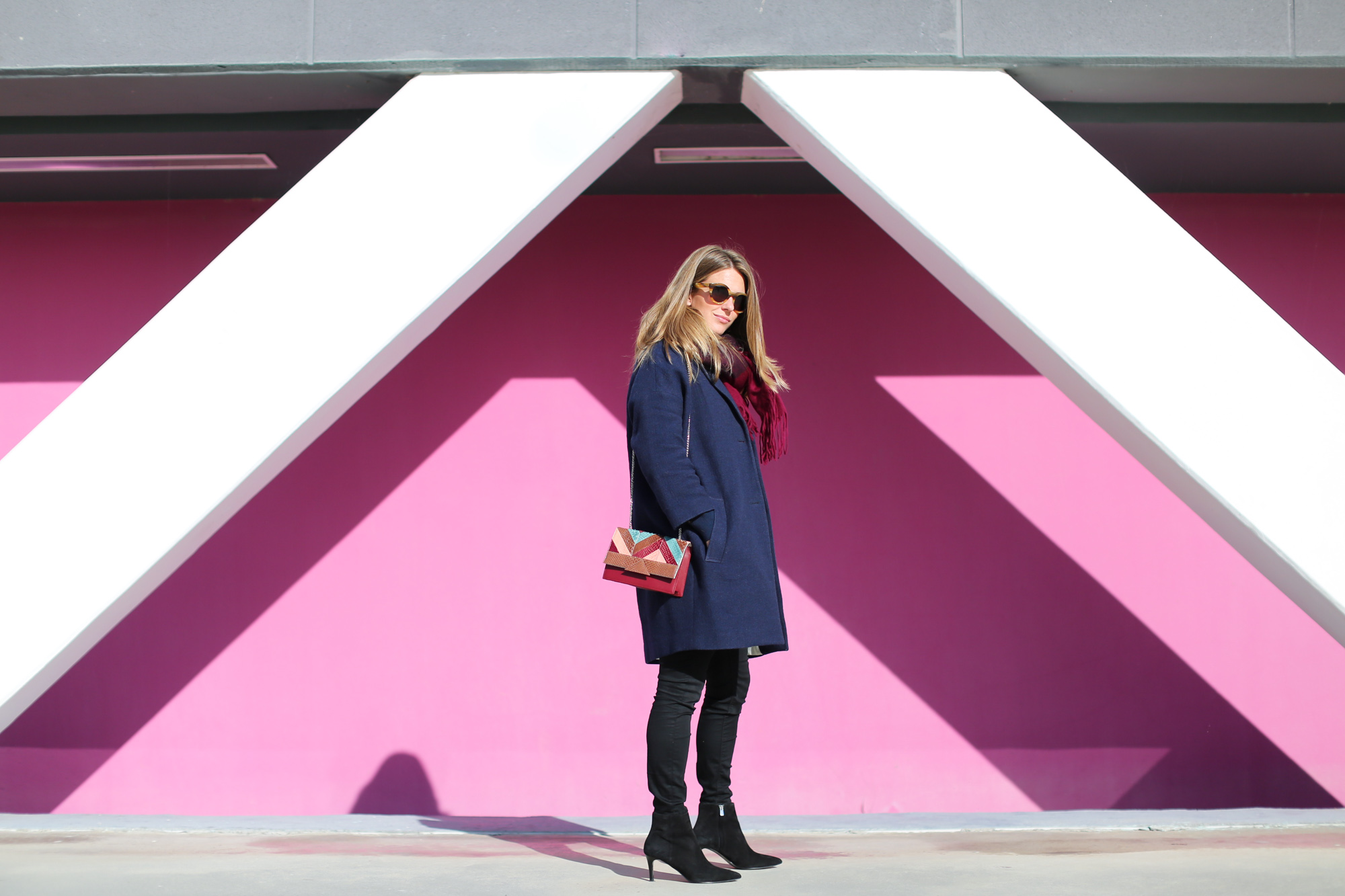 Clochet_fashionblogger_streetstyle_&otherstories_stilettoankleboots_burgundyheroscarf_metallicflowerssweater_titamadridspiga-3