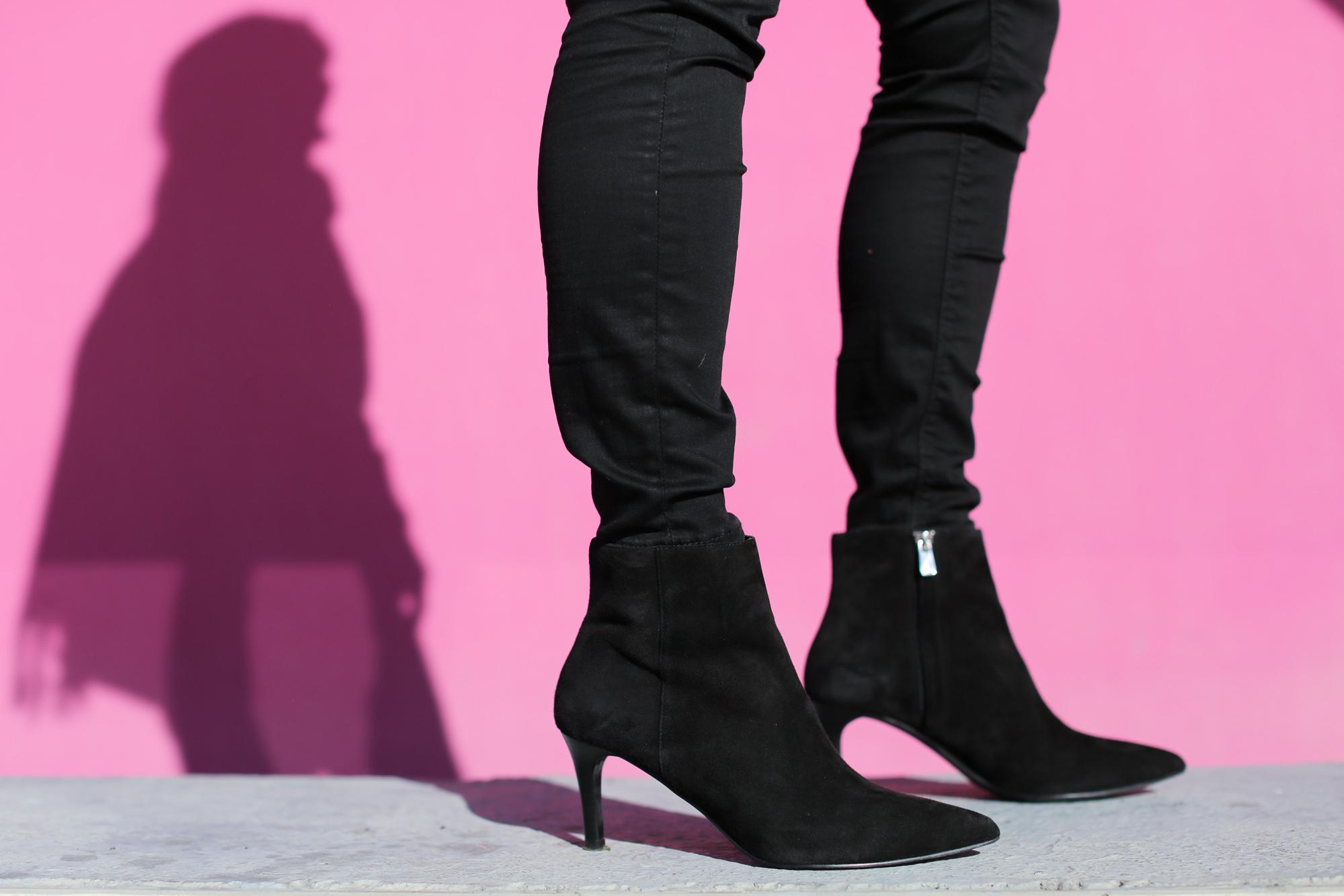 Clochet_fashionblogger_streetstyle_&otherstories_stilettoankleboots_burgundyheroscarf_metallicflowerssweater_titamadridspiga-5
