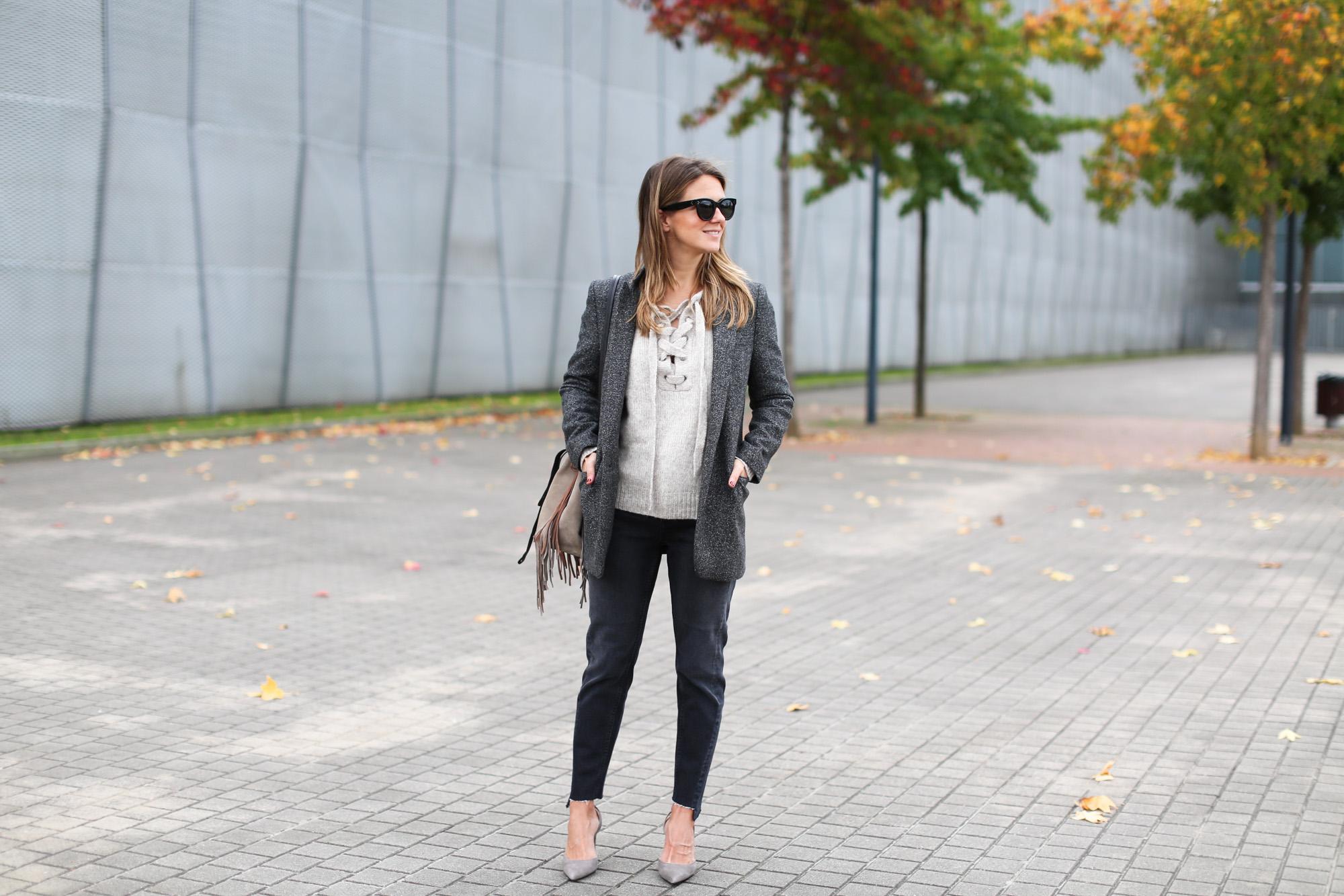 Clochet_fashionblogger_streetstyle_purificaciongarcia_bandoleraantegoon_h&mmomjeans-6