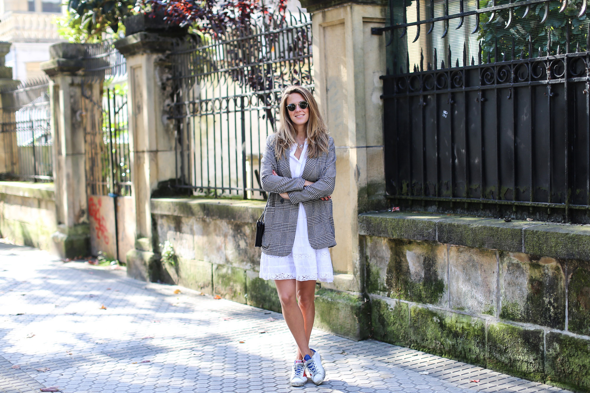clochet_streetstyle_fashioblogger_h&m_check_wool_blazer_chicwish_whitebohodress_goldengoosedeluxebrandsneakers