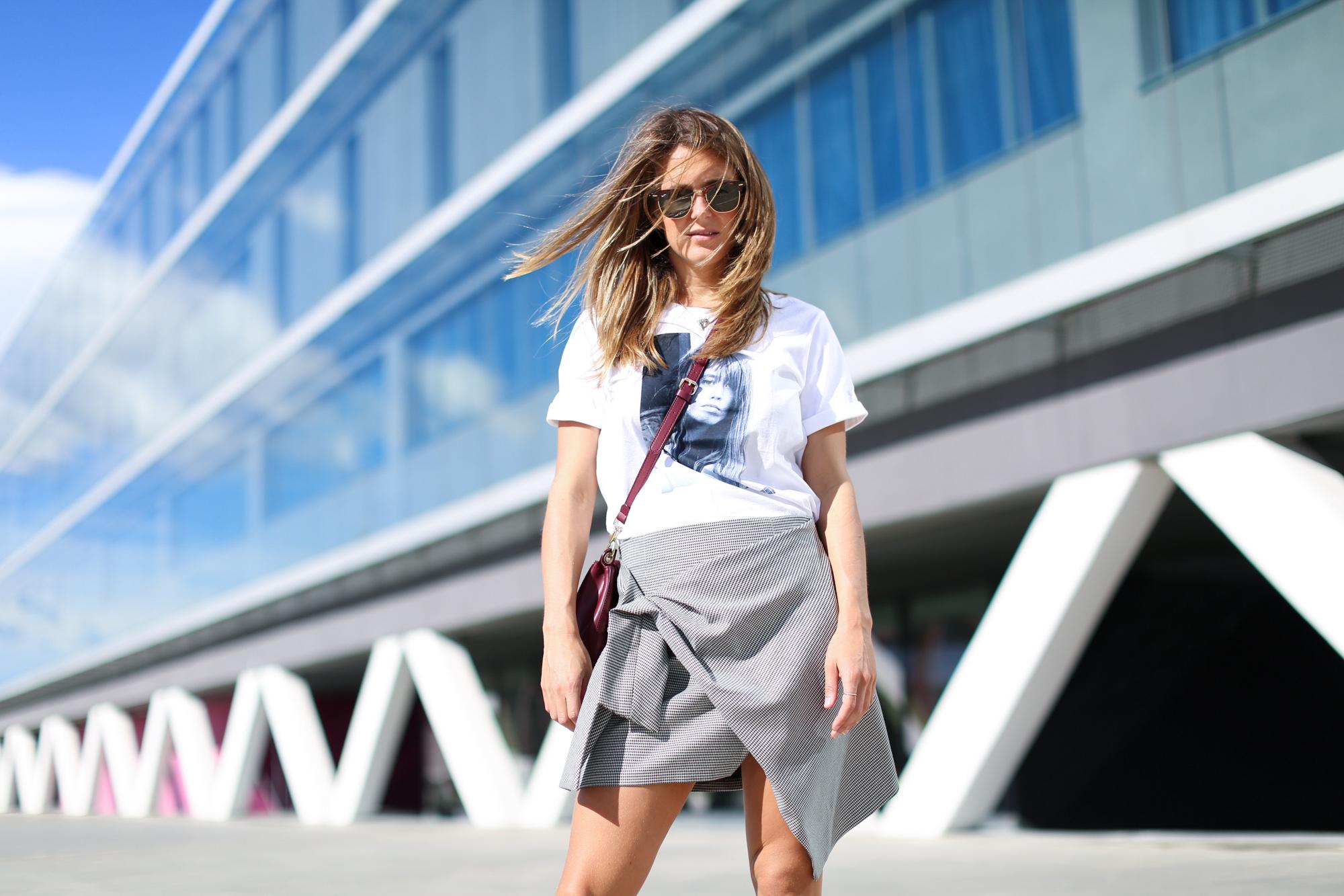 clochet_streetstyle_fashionblogger_leatherloafers_zara_asymmetric_toothgooseminiskirt-2