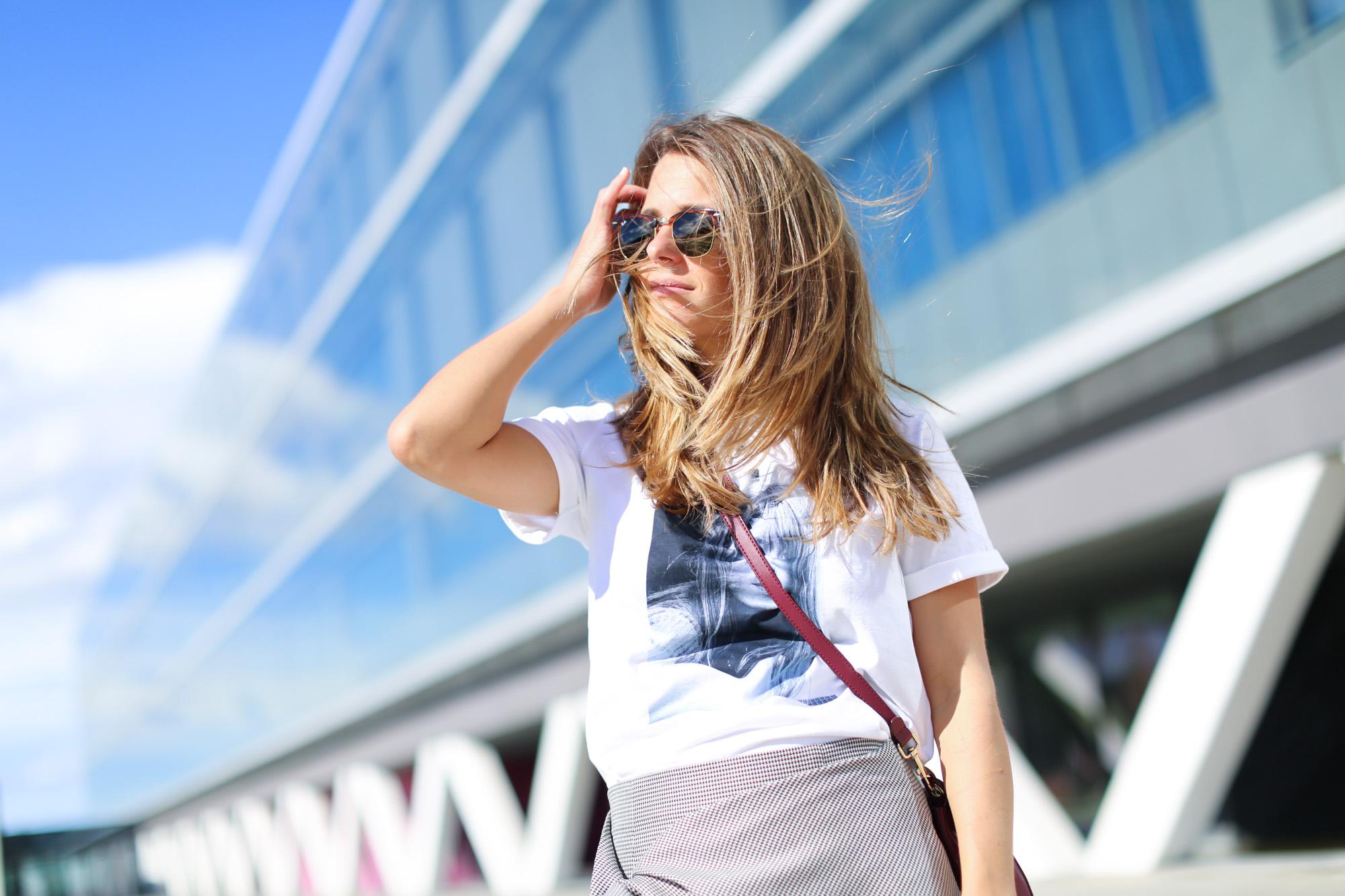 clochet_streetstyle_fashionblogger_leatherloafers_zara_asymmetric_toothgooseminiskirt-5